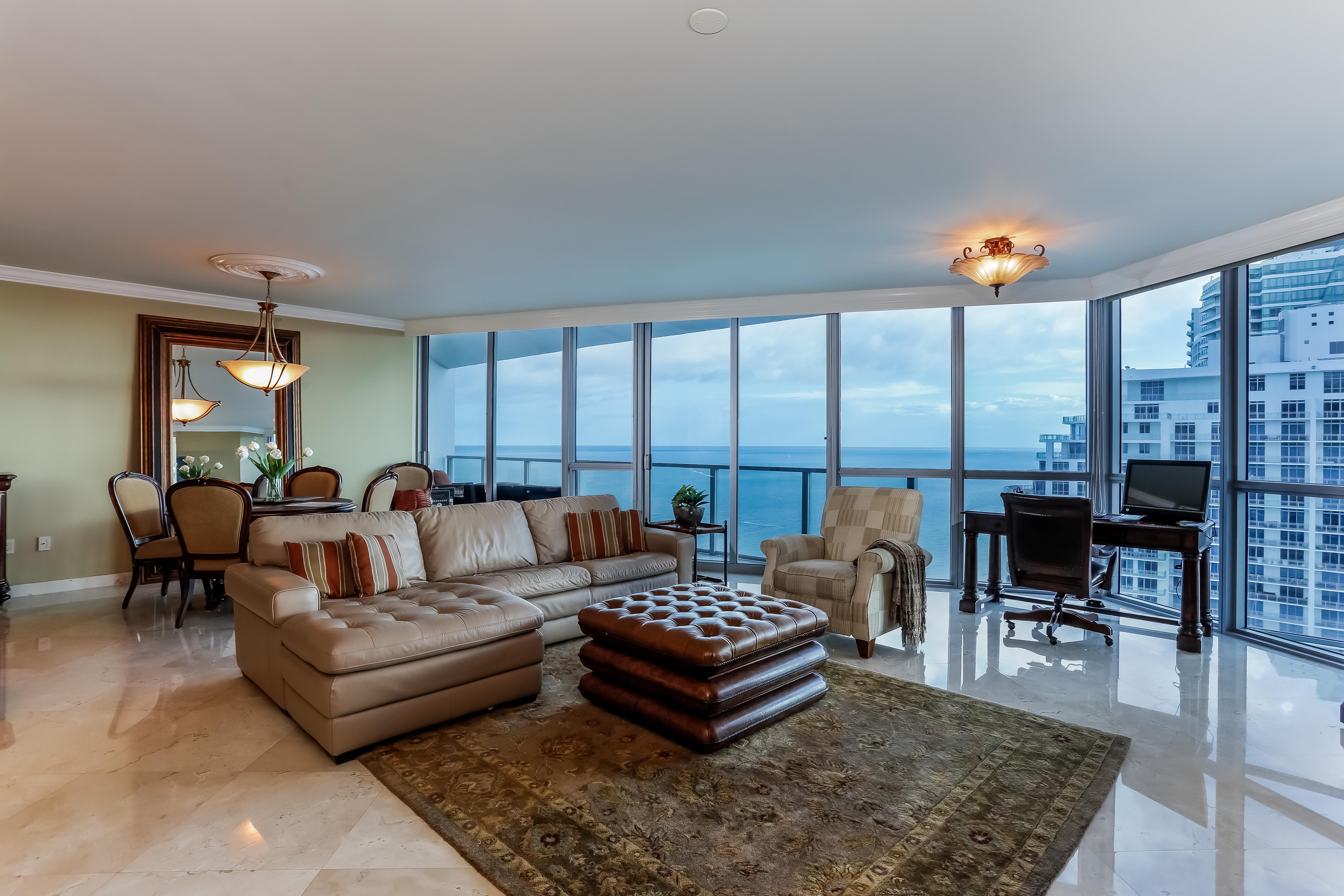 Appartement en copropriété pour l Vente à 3101 S Ocean Dr #2706 3101 S Ocean Dr 2706 Hollywood, Florida, 33019 États-Unis