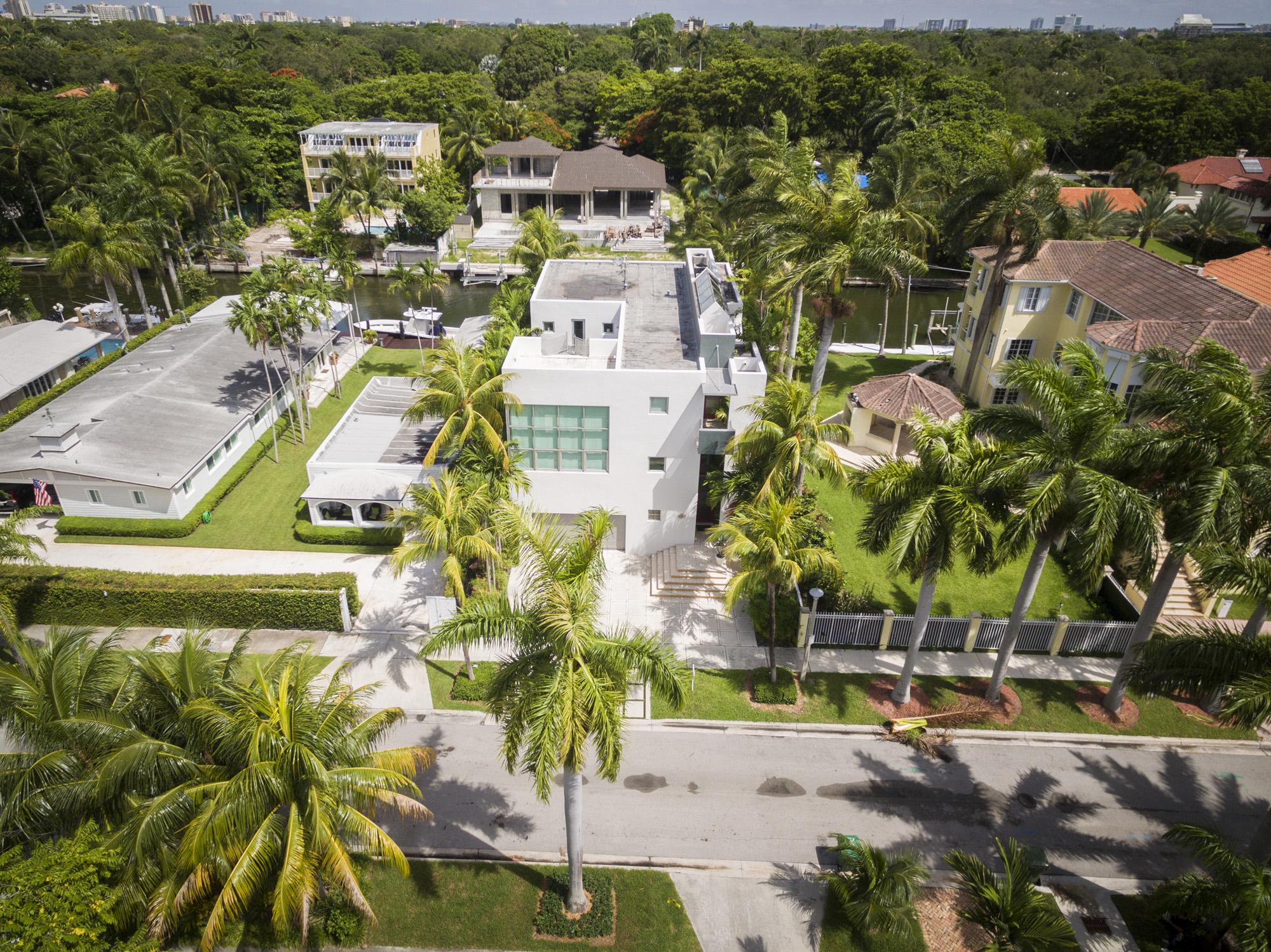 Maison unifamiliale pour l Vente à 1785 Fairhaven Pl Coconut Grove, Florida, 33133 États-Unis