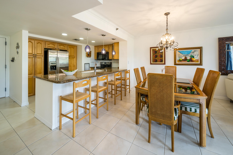 Condomínio para Venda às 2555 Collins Ave #308 2555 Collins Ave 308 Miami Beach, Florida, 33140 Estados Unidos