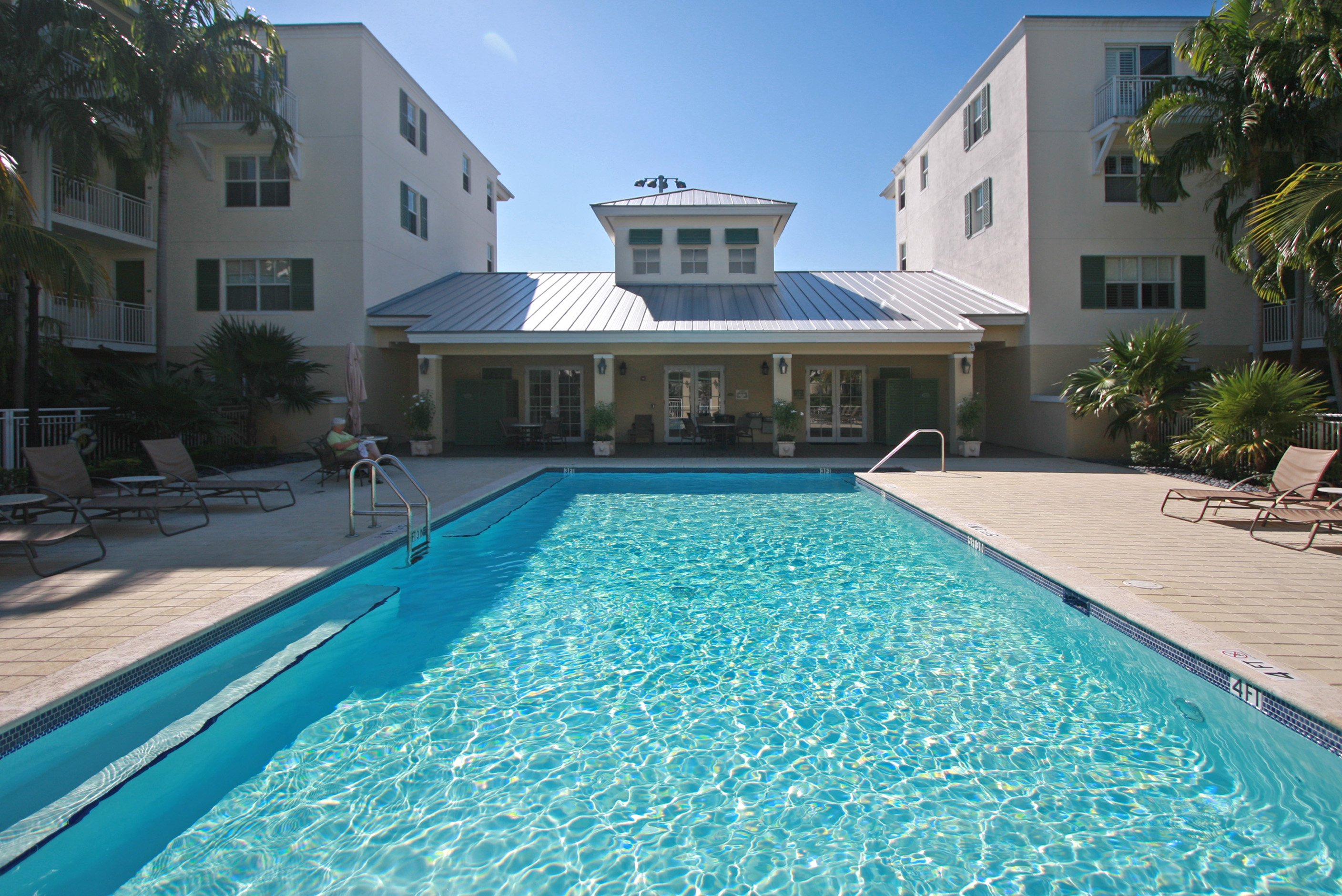 sales property at 7510 Sw 102 St #105