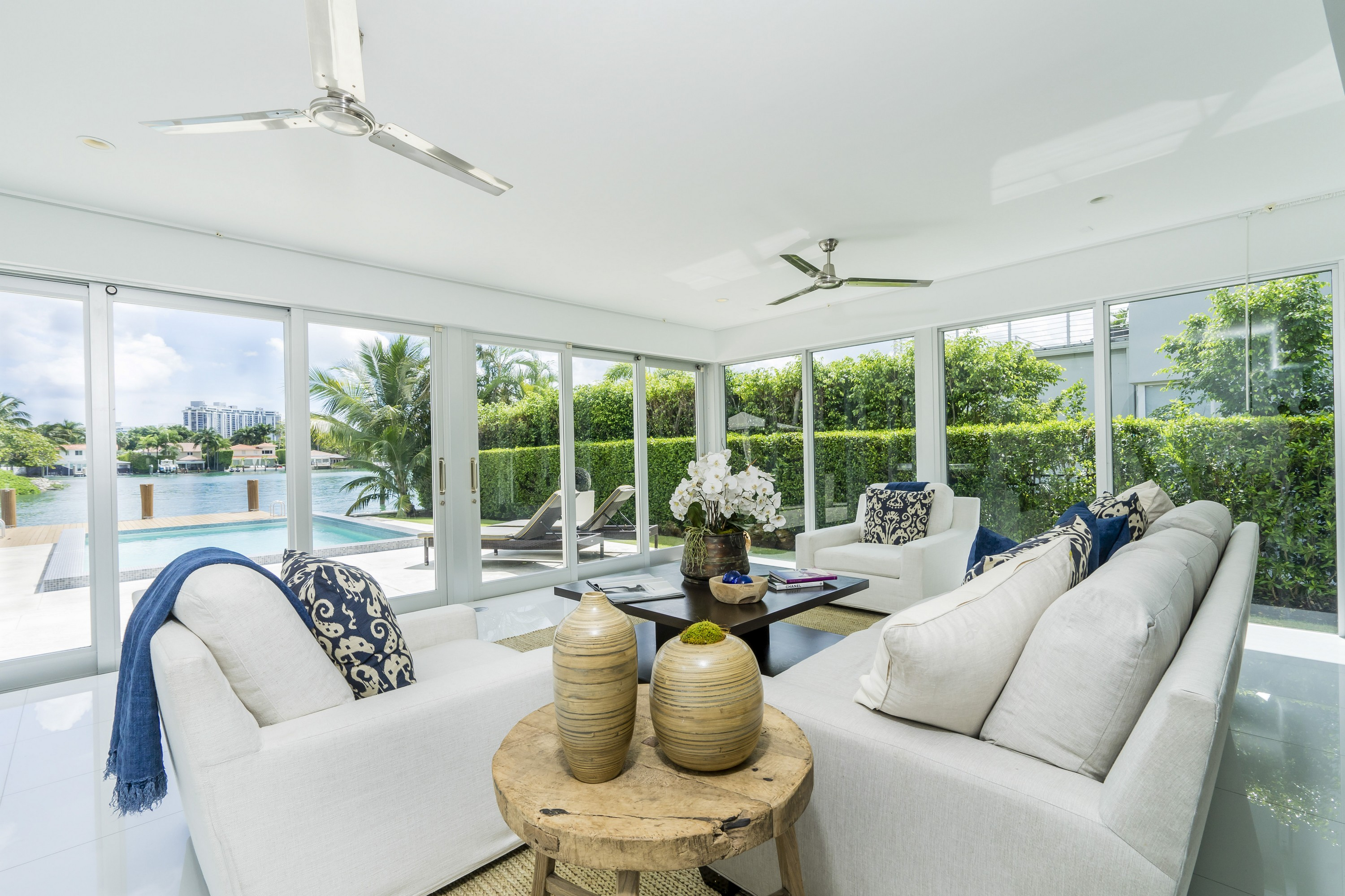 Single Family Home for Sale at 425 E Dilido Dr Miami Beach, Florida, 33139 United States