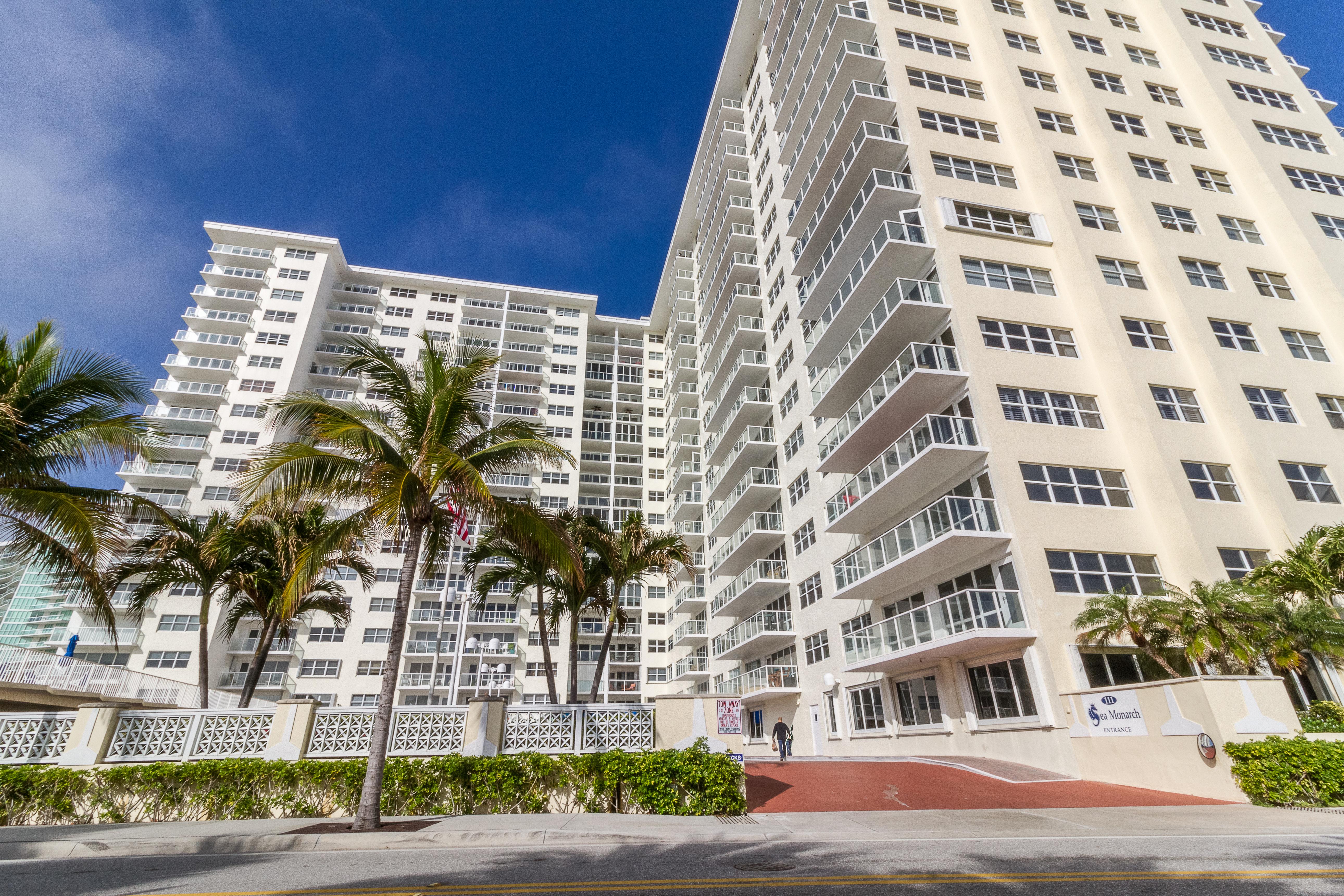 Condomínio para Venda às 111 N Pompano Beach Blvd #402 111 N Pompano Beach Blvd 402 Pompano Beach, Florida, 33062 Estados Unidos