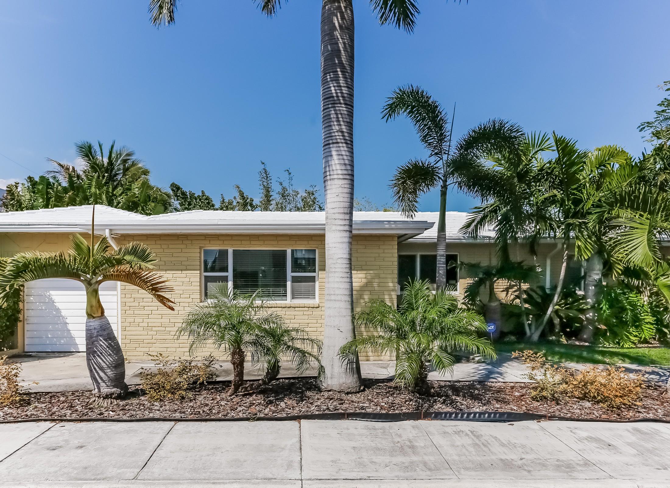 단독 가정 주택 용 매매 에 1471 S Treasure Dr North Bay Village, 플로리다, 33141 미국