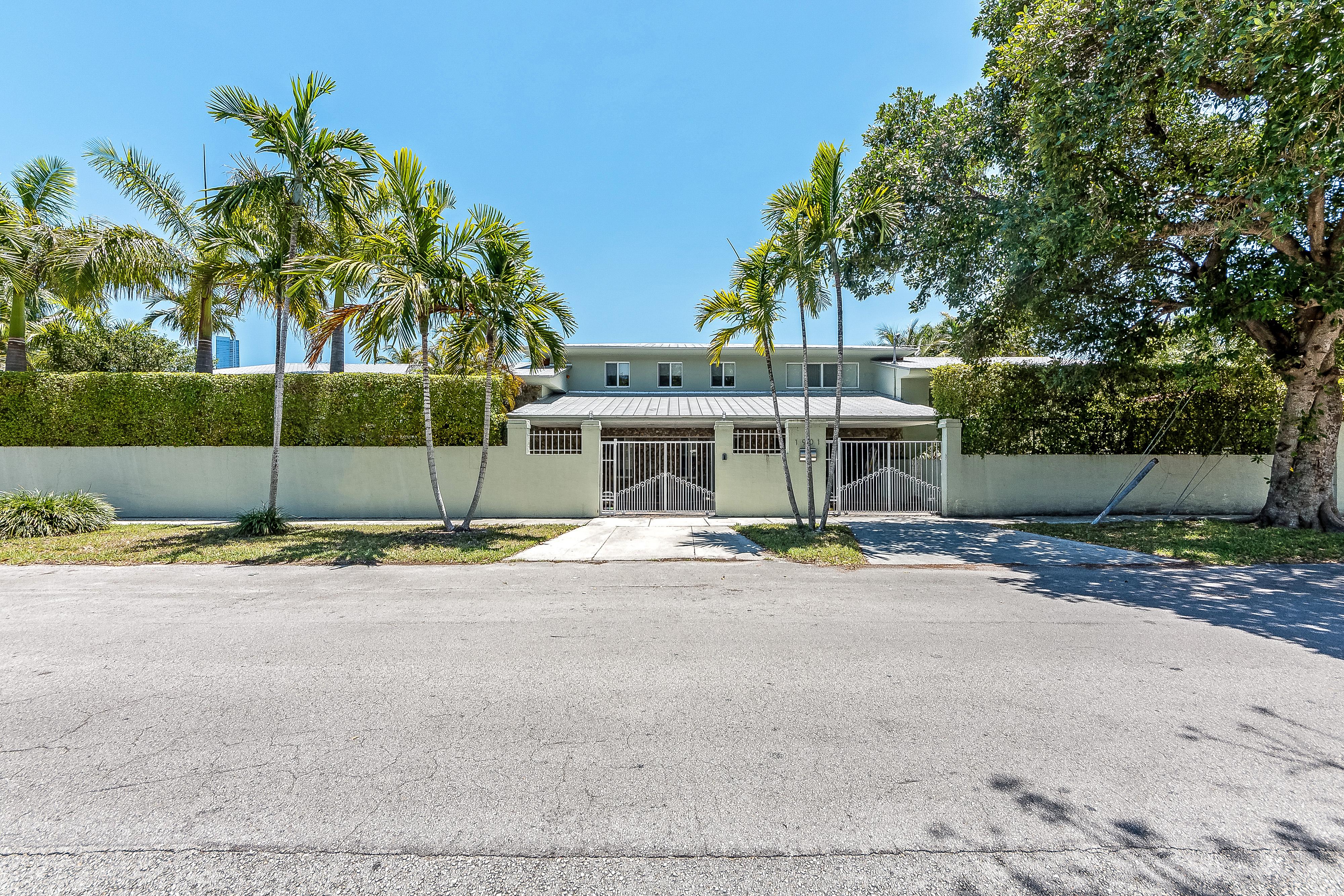 Single Family Home for Sale at 1901 Sw 5 Avenue Miami, Florida, 33129 United States