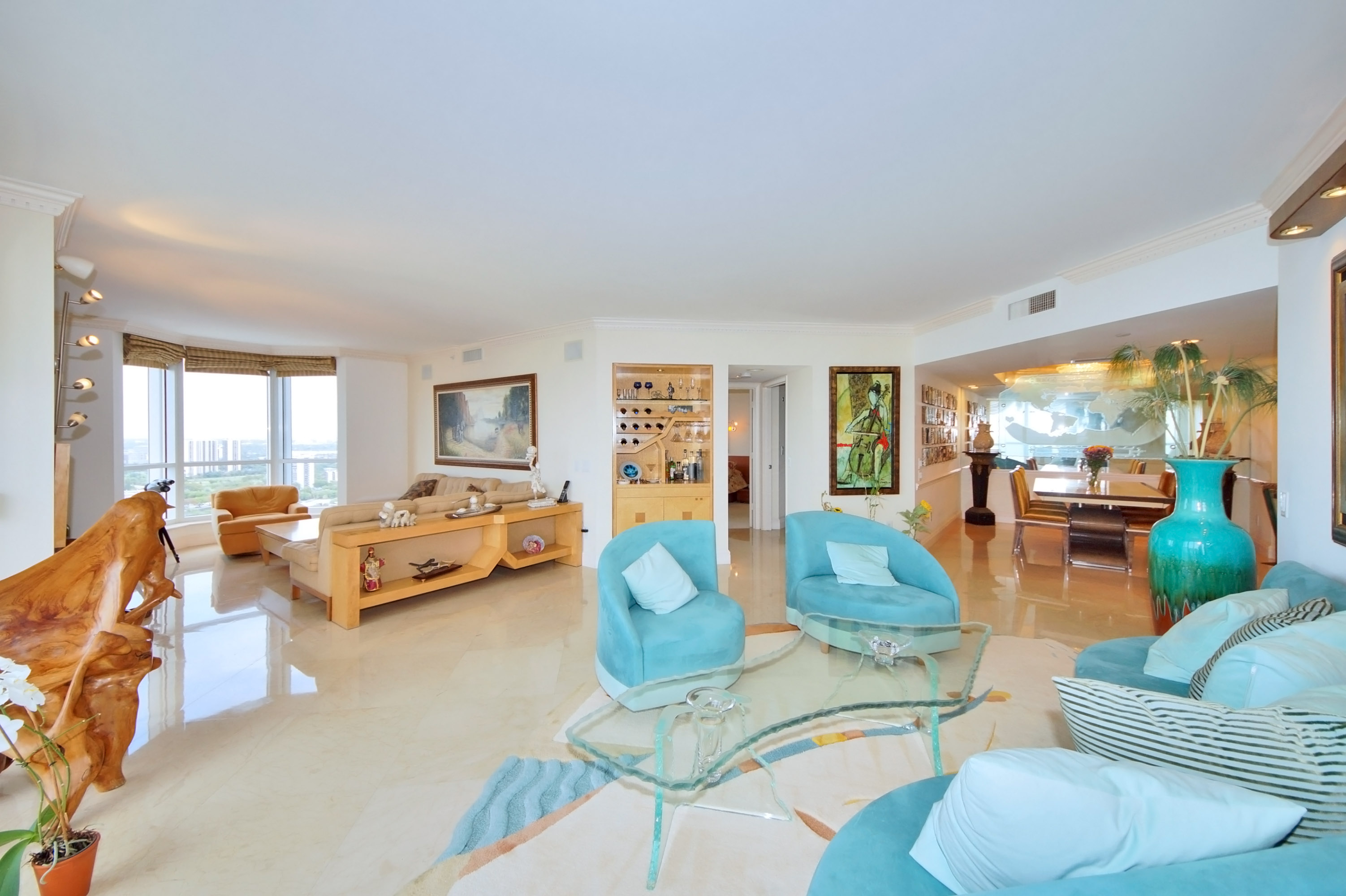 Condomínio para Venda às 21055 Yacht Club #3109 21055 Yacht Club 3109 Aventura, Florida, 33180 Estados Unidos