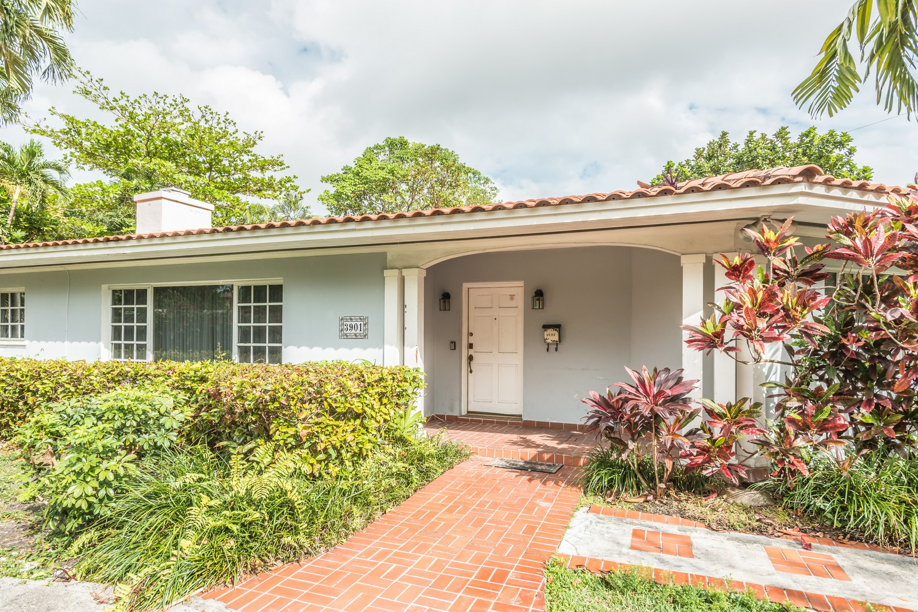 Single Family Home for Sale at 3901 Alhambra Cir Coral Gables, Florida, 33134 United States