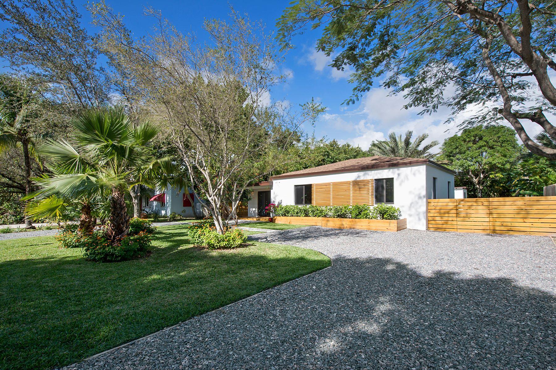Maison unifamiliale pour l Vente à 6475 Sw 83 Street South Miami, Florida, 33143 États-Unis