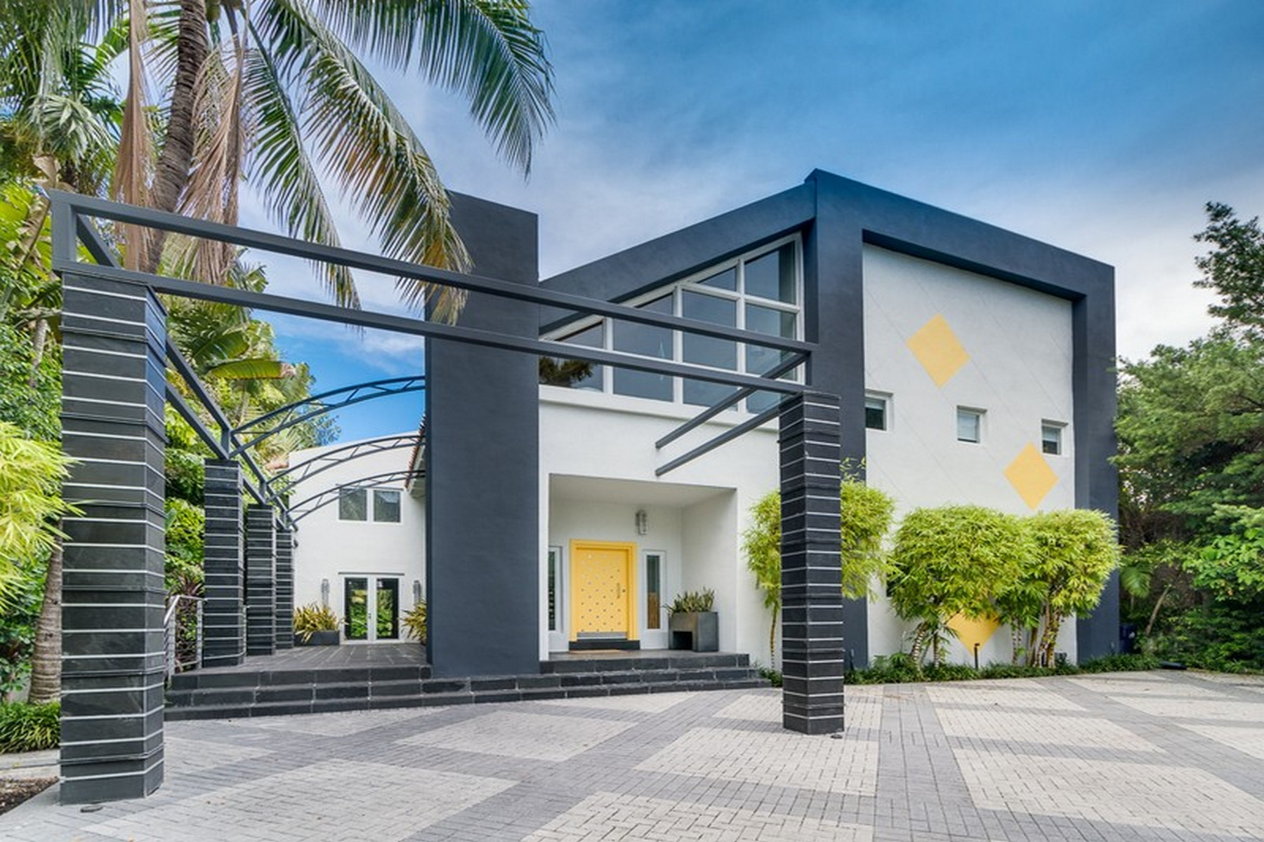 Single Family Home for Sale at 1833 W 24 ST Miami Beach, Florida, 33140 United States