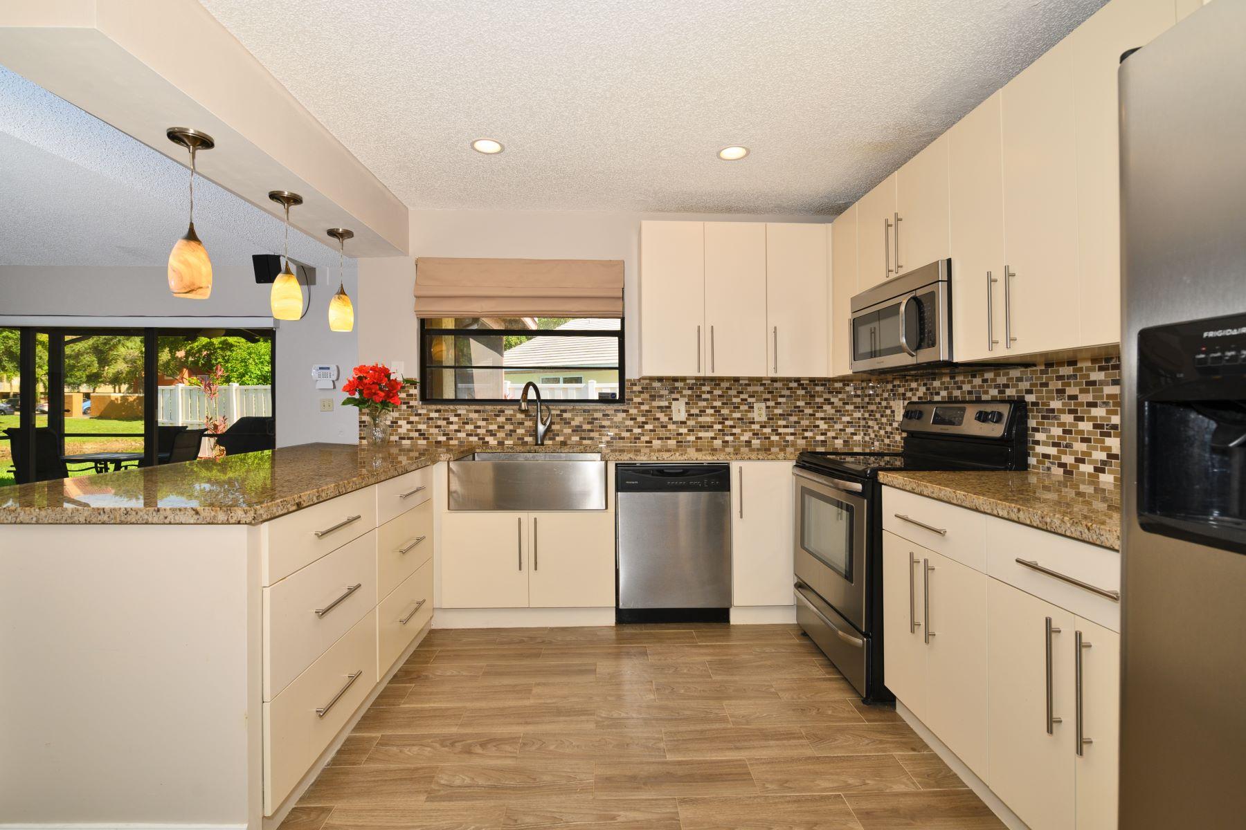 Single Family Homes için Satış at Coral Springs, Florida 33065 Amerika Birleşik Devletleri