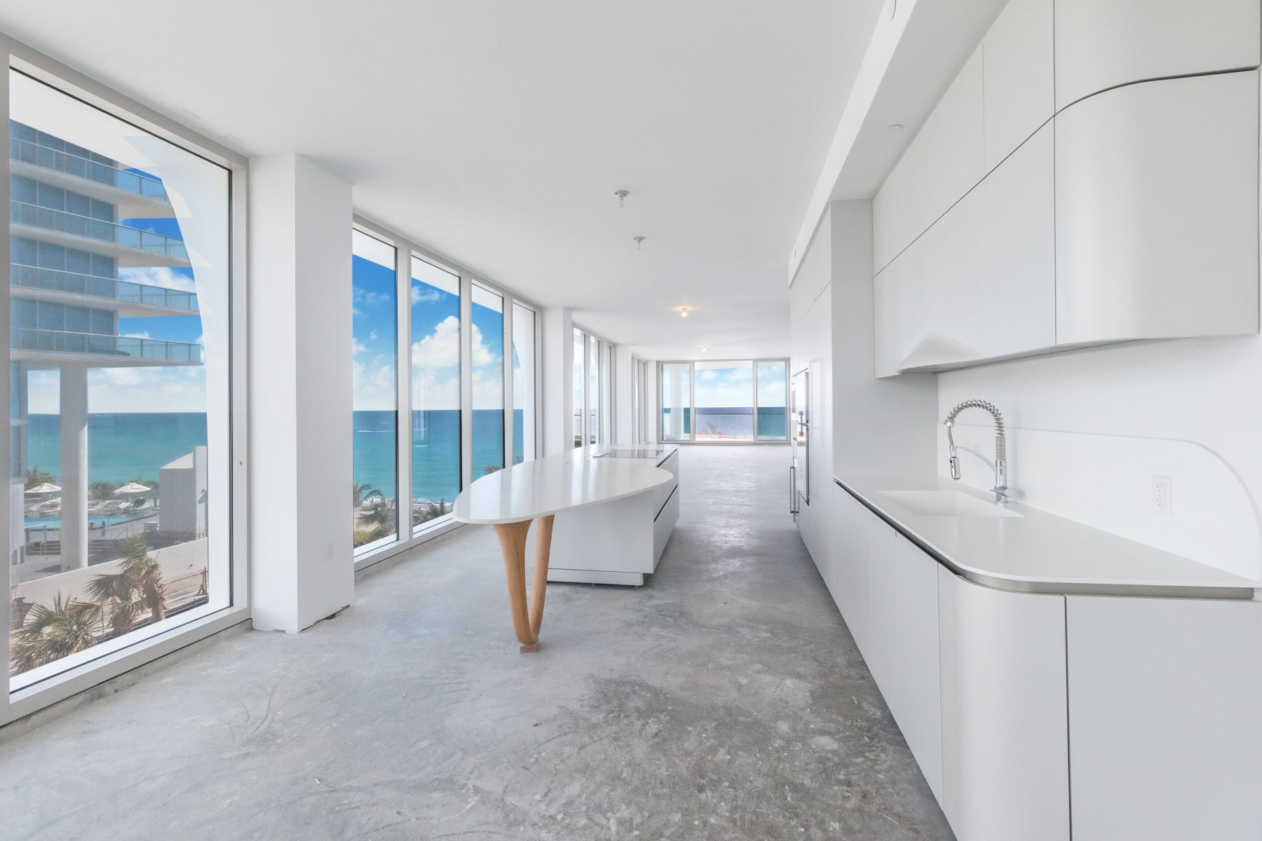 Condominiums for Sale at 16901 Collins Ave 505, Sunny Isles Beach, Florida 33160 United States