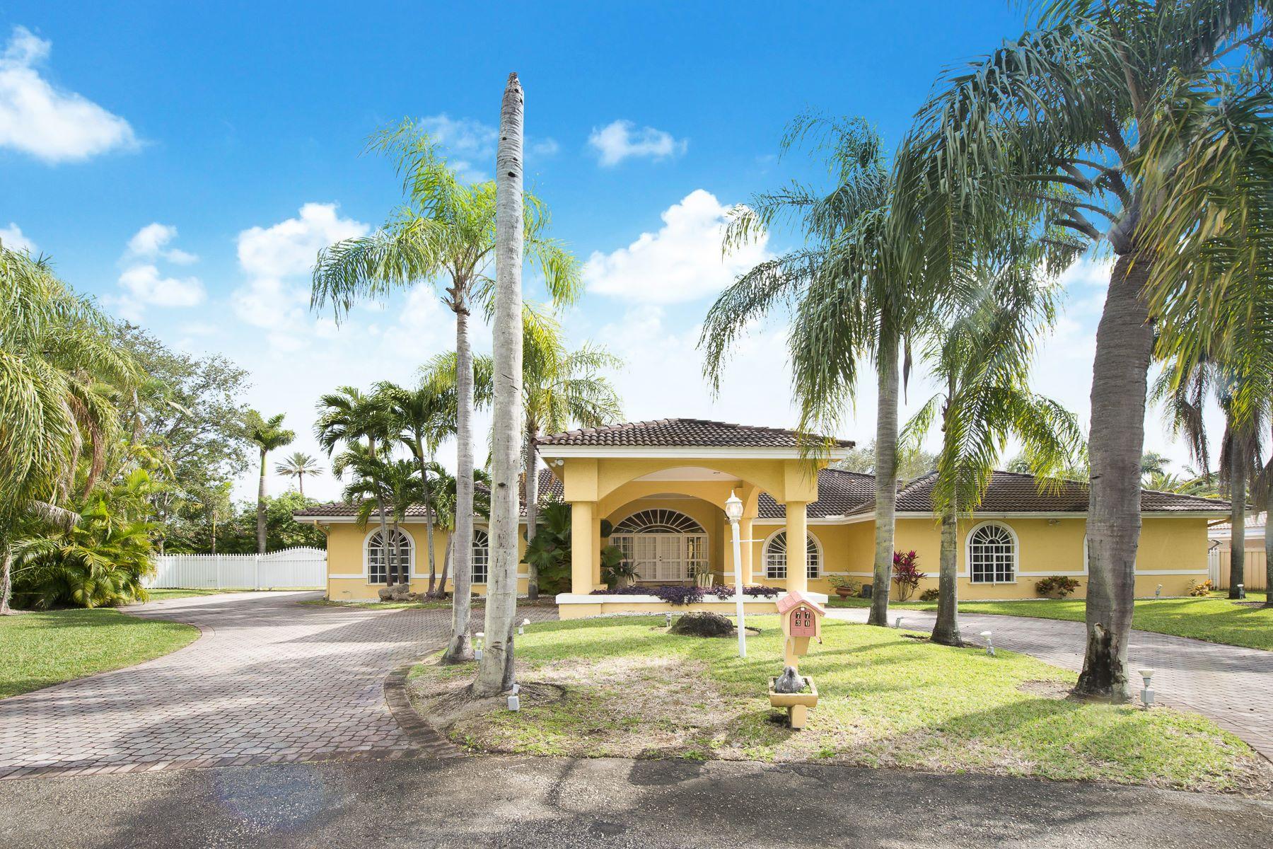 단독 가정 주택 용 매매 에 7730 Sw 72nd Ter Miami, 플로리다, 33143 미국