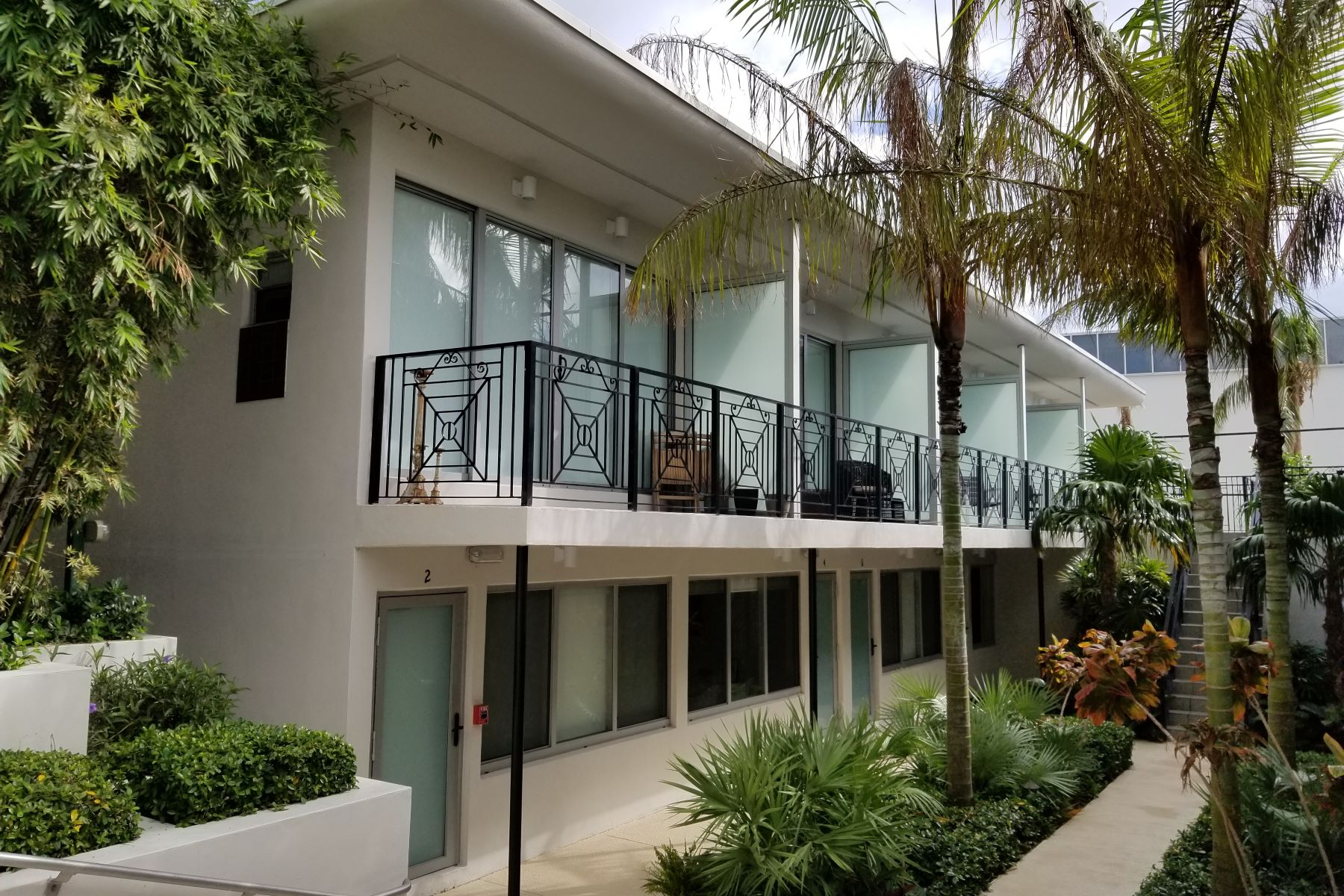 Condominium for Rent at 2130 Park Ave 2130 Park Ave TH2 Miami Beach, Florida 33139 United States