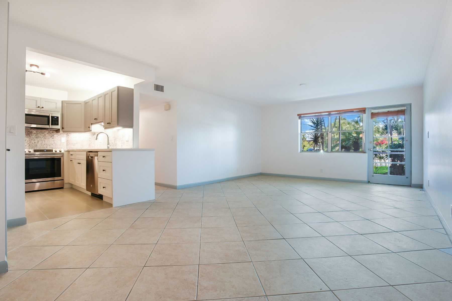 Single Family Home for Sale at 1920 Ne 1st Ter #116H 1920 Ne 1st Ter 116H Wilton Manors, Florida 33305 United States