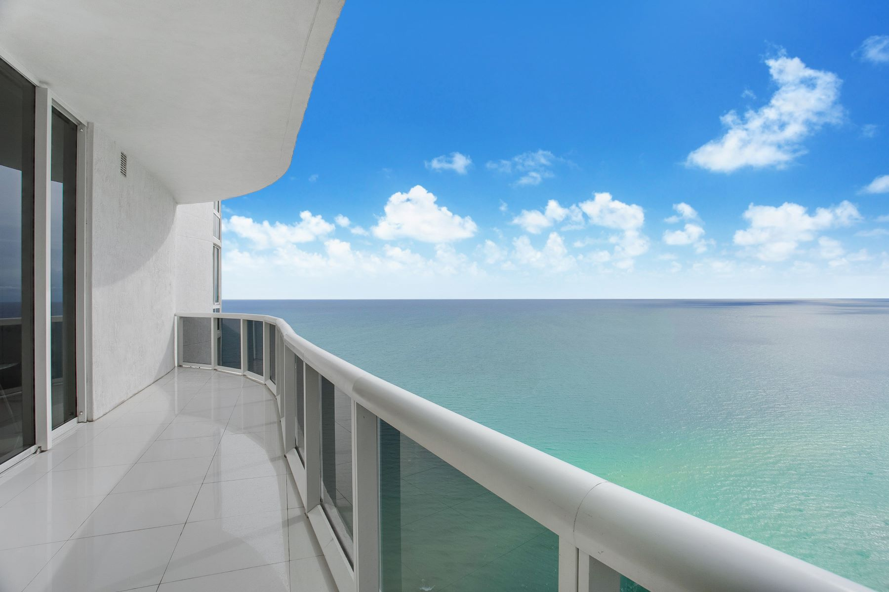 Condominium for Sale at 16001 Collins Ave 16001 Collins Ave 3702, Sunny Isles Beach, Florida, 33160 United States