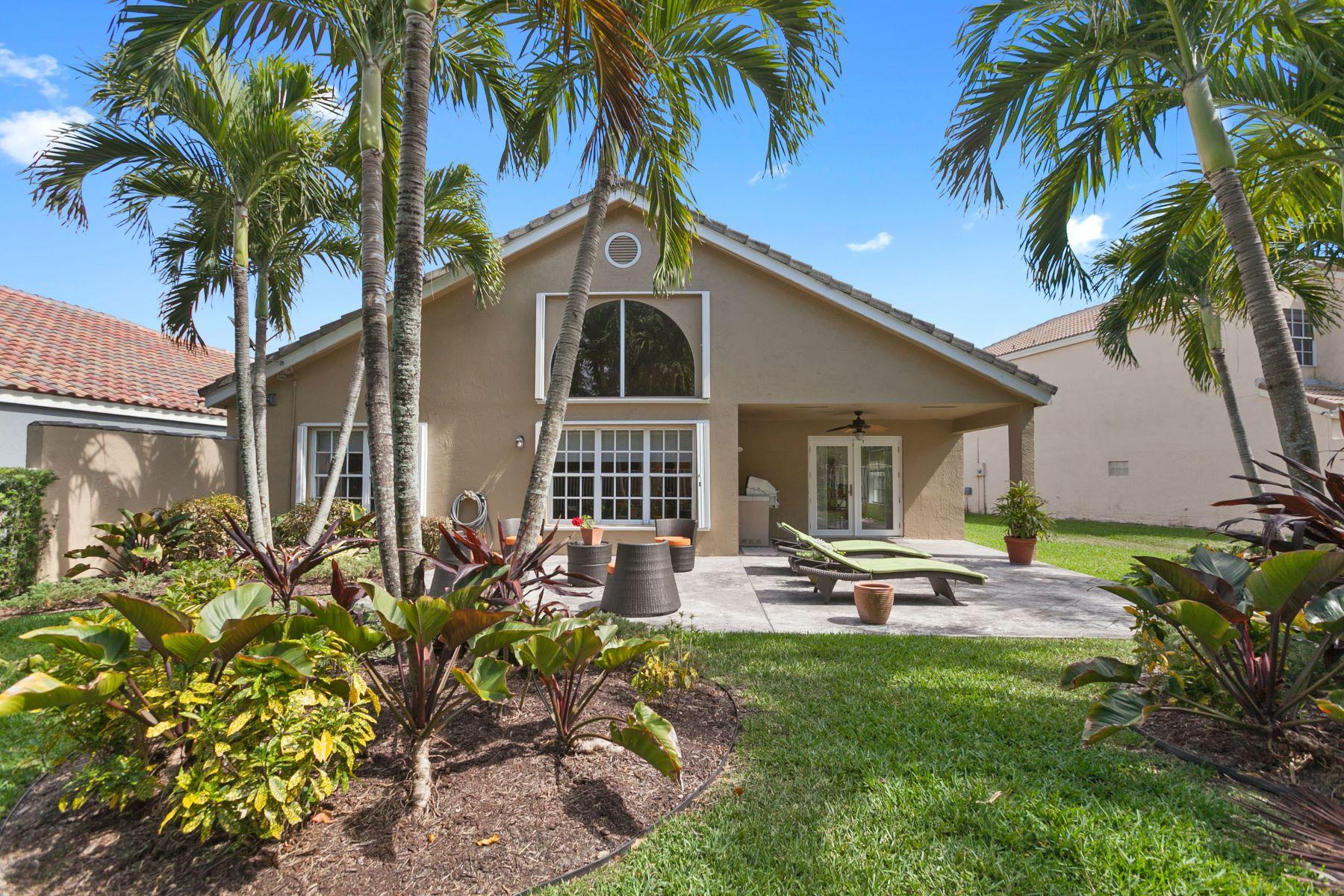 Tek Ailelik Ev için Satış at 2035 Island Cir Weston, Florida, 33326 Amerika Birleşik Devletleri