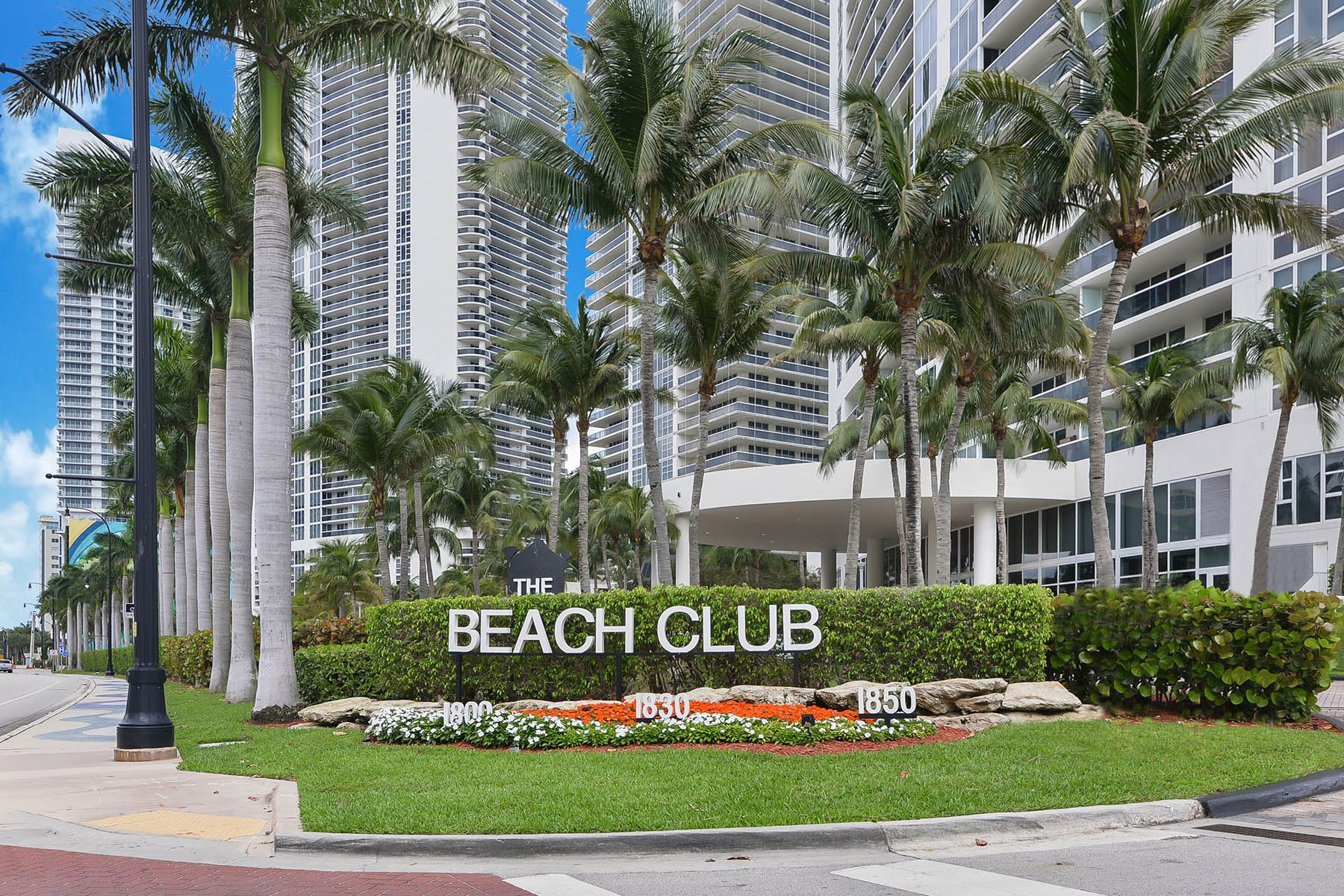 Condominiums for Sale at 1830 S Ocean Dr 1002 Hallandale, Florida 33009 United States