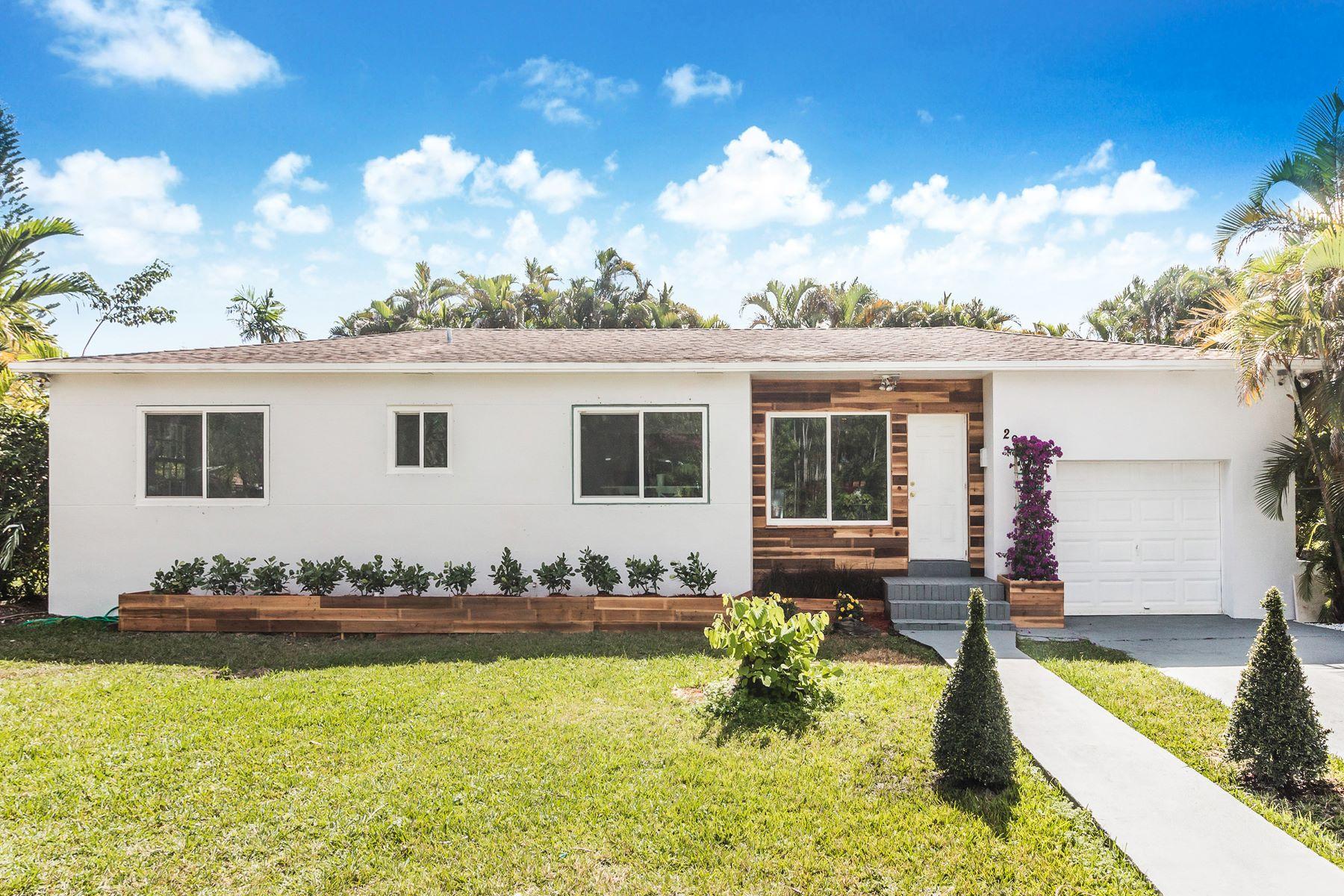 Maison unifamiliale pour l Vente à 290 Ne 131st St 290 Ne 131st St North Miami, Florida 33161 États-Unis