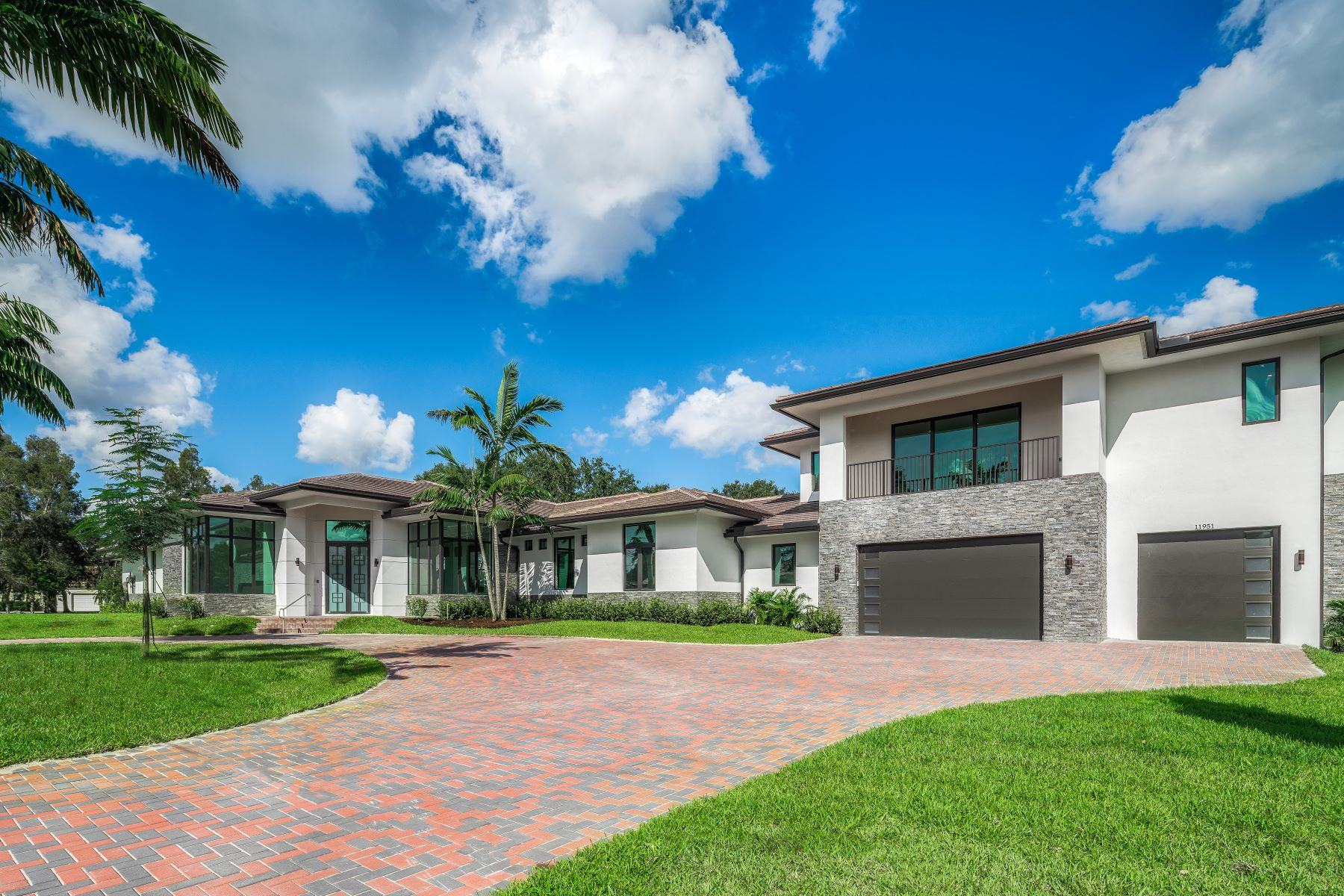 Single Family Homes for Sale at 11951 Nw 6th St Plantation, Florida 33325 United States