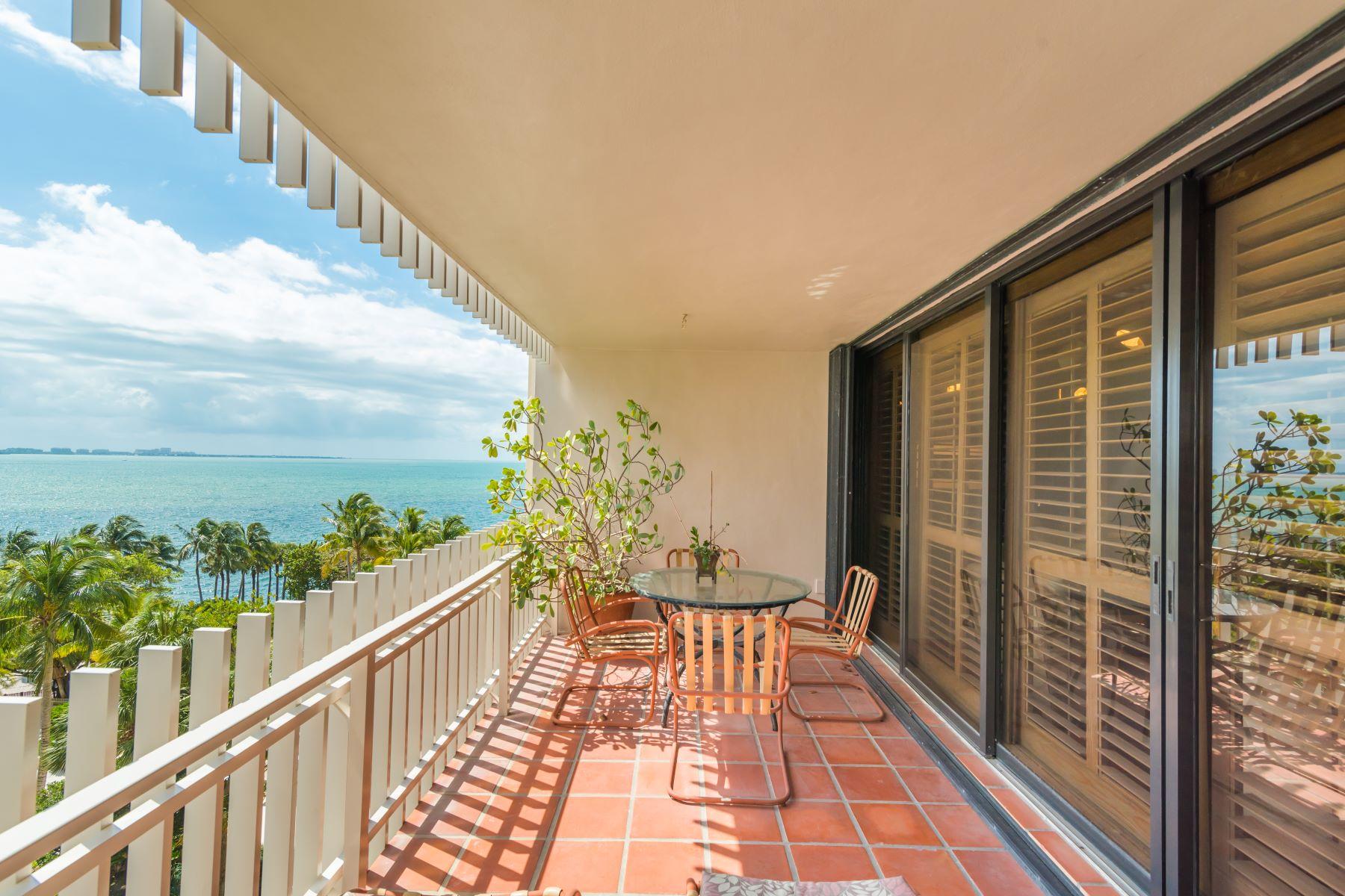 콘도미니엄 용 매매 에 2 Grove Isle Dr #B705 2Grove Isle Dr B705 Miami, 플로리다, 33133 미국