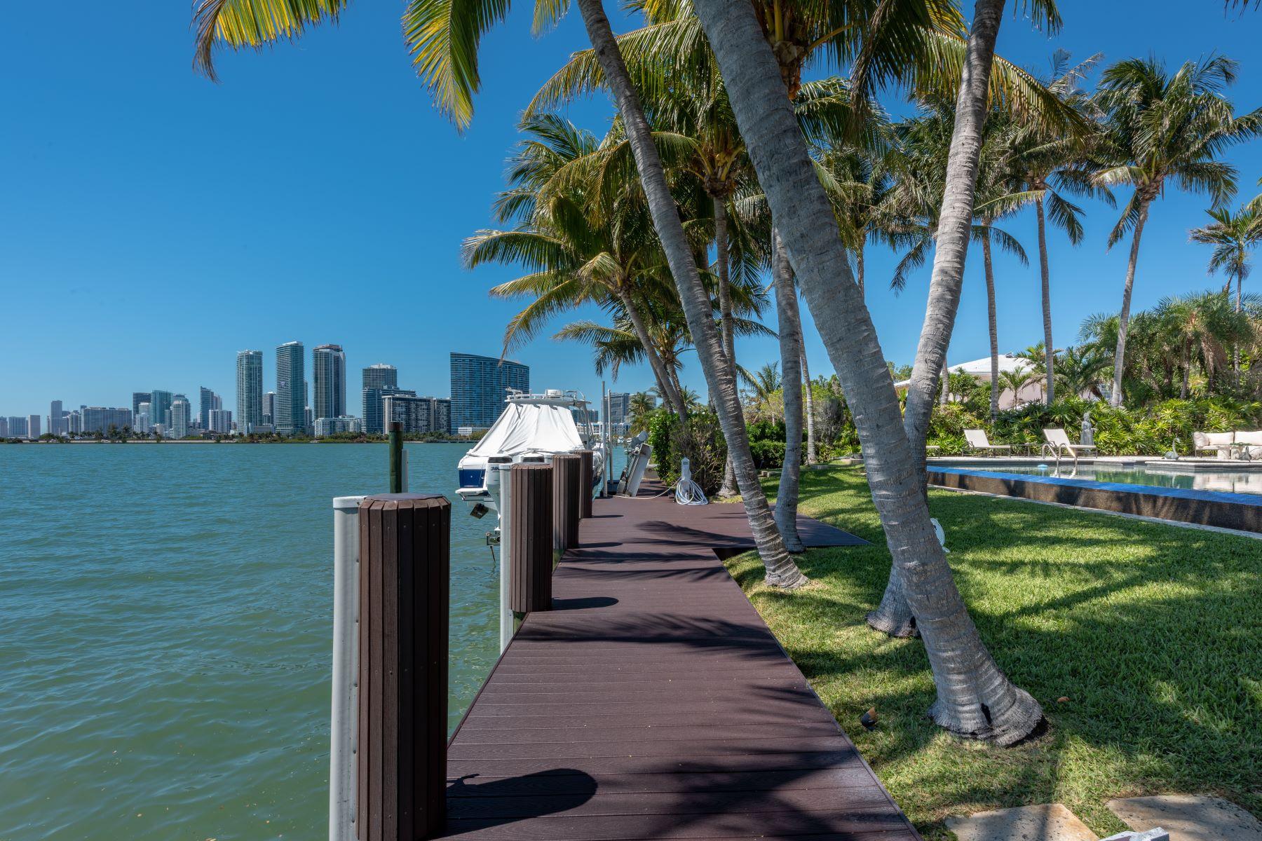 Частный односемейный дом для того Продажа на 4411 Sabal Palm Rd 4411 Sabal Palm Rd Miami, Флорида 33137 Соединенные Штаты