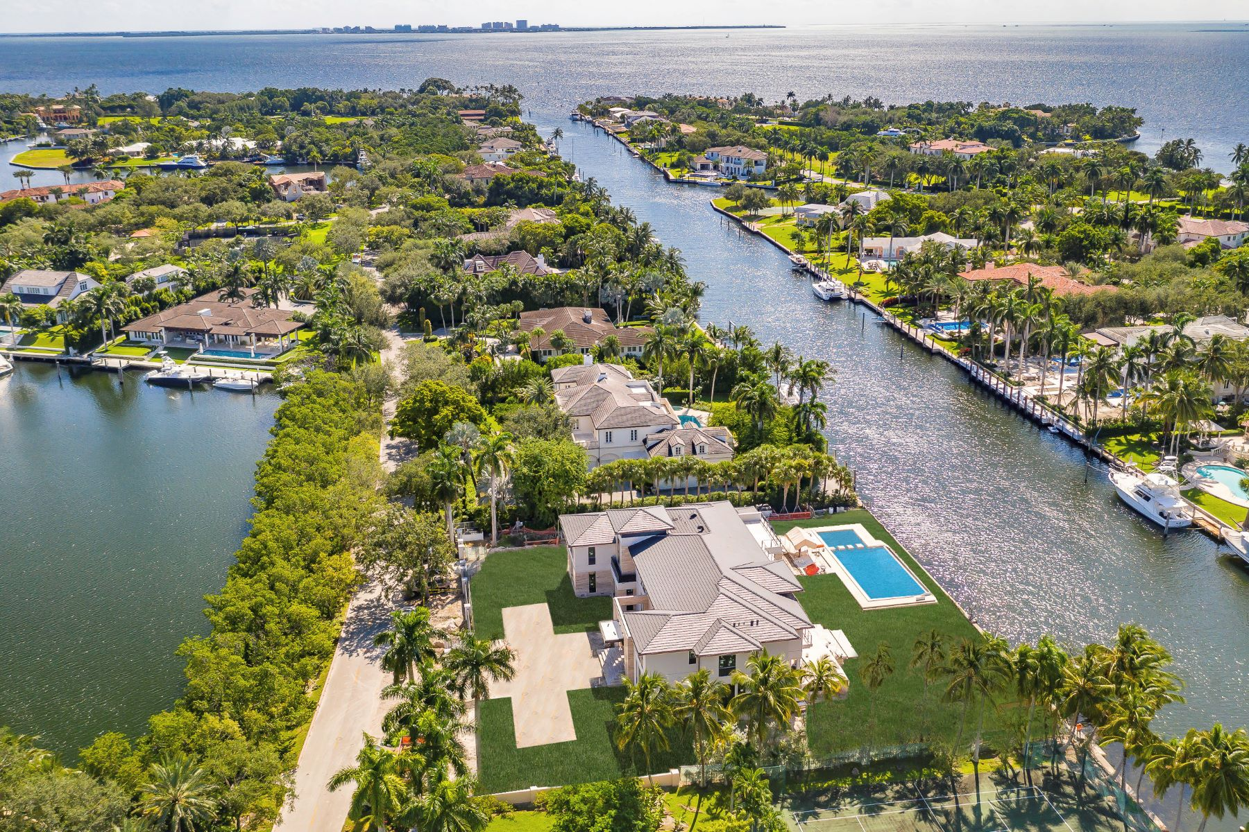 Single Family Homes للـ Sale في Coral Gables, Florida 33156 United States