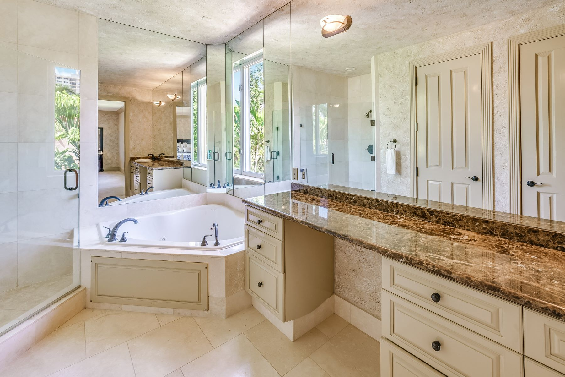 Additional photo for property listing at 414 Riviera Isle 414 Riviera Isle Fort Lauderdale, Florida 33301 États-Unis
