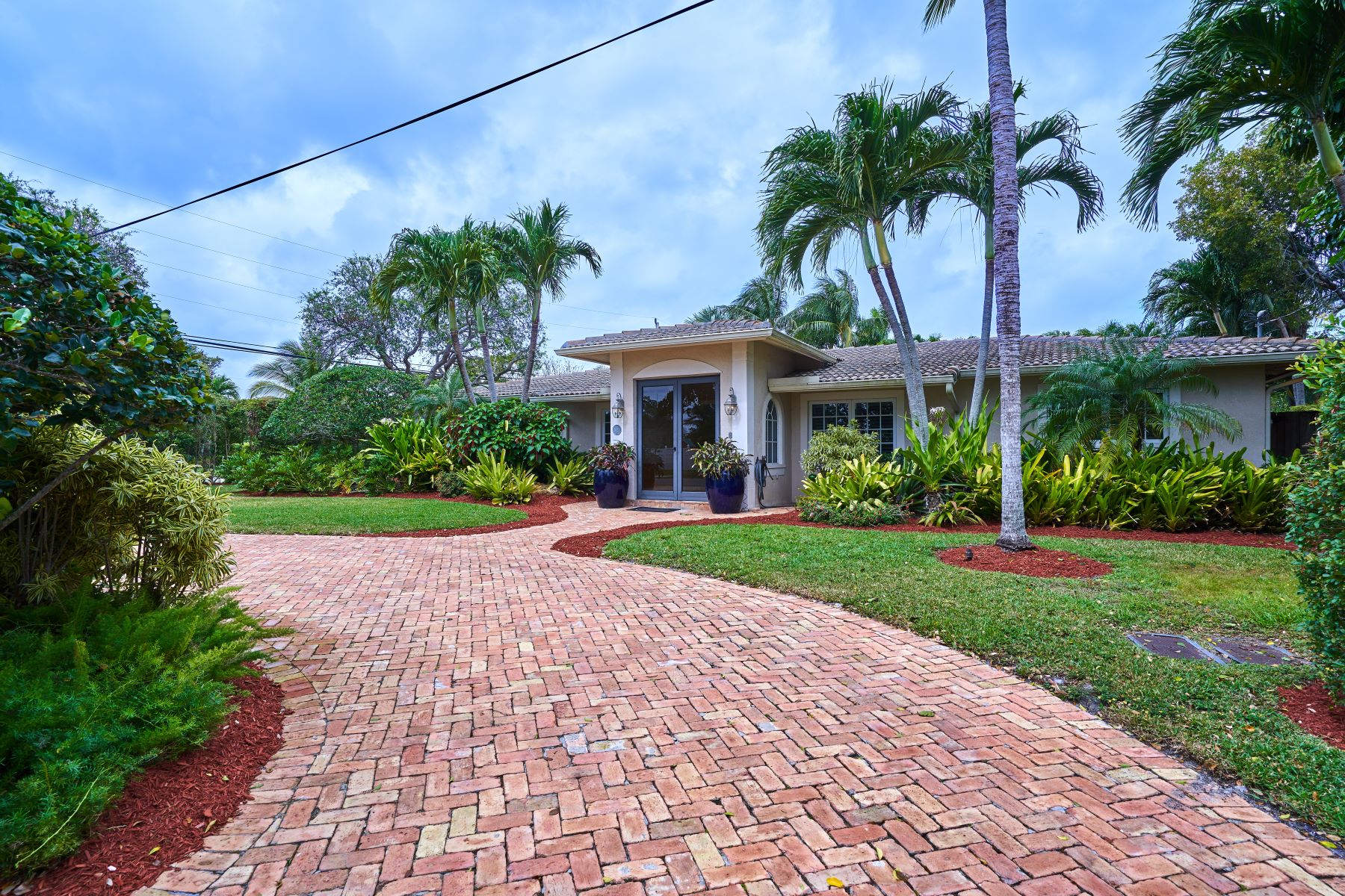 獨棟家庭住宅 為 出售 在 2625 Ne 26th Pl Fort Lauderdale, 佛羅里達州, 33306 美國