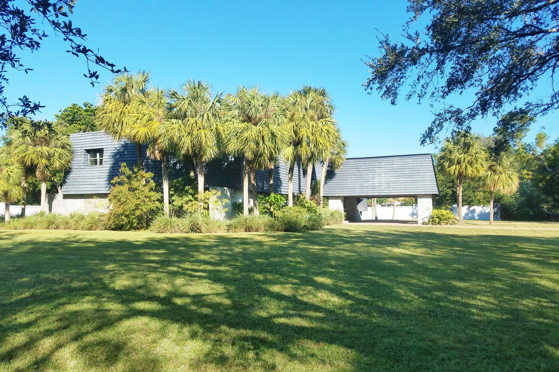 Casa Unifamiliar por un Venta en 9506 Sw 57th Ave Pinecrest, Florida, 33156 Estados Unidos