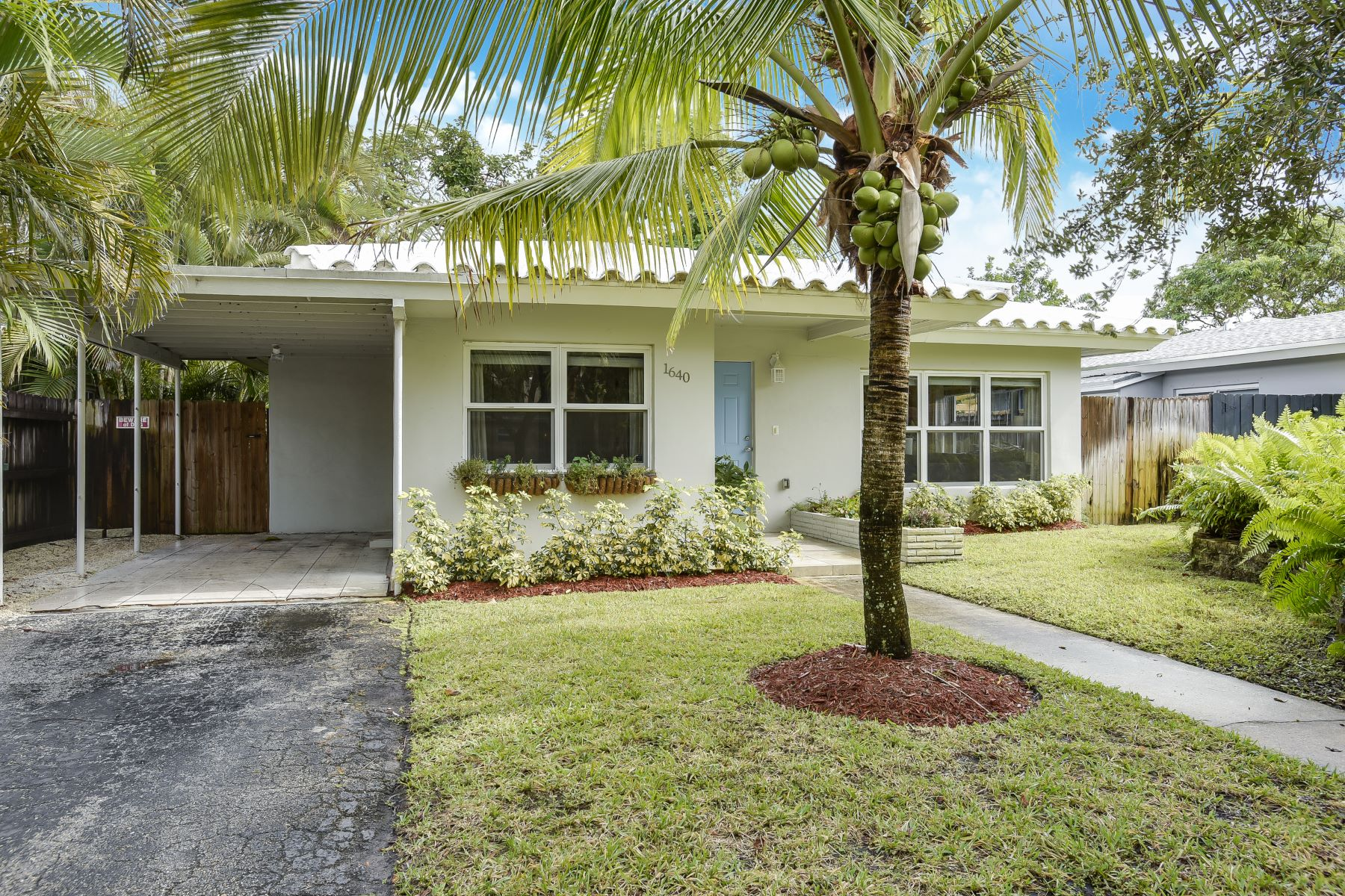 Single Family Home for Rent at 1640 Nw 7th Ave 1640 Nw 7th Ave Fort Lauderdale, Florida 33311 United States