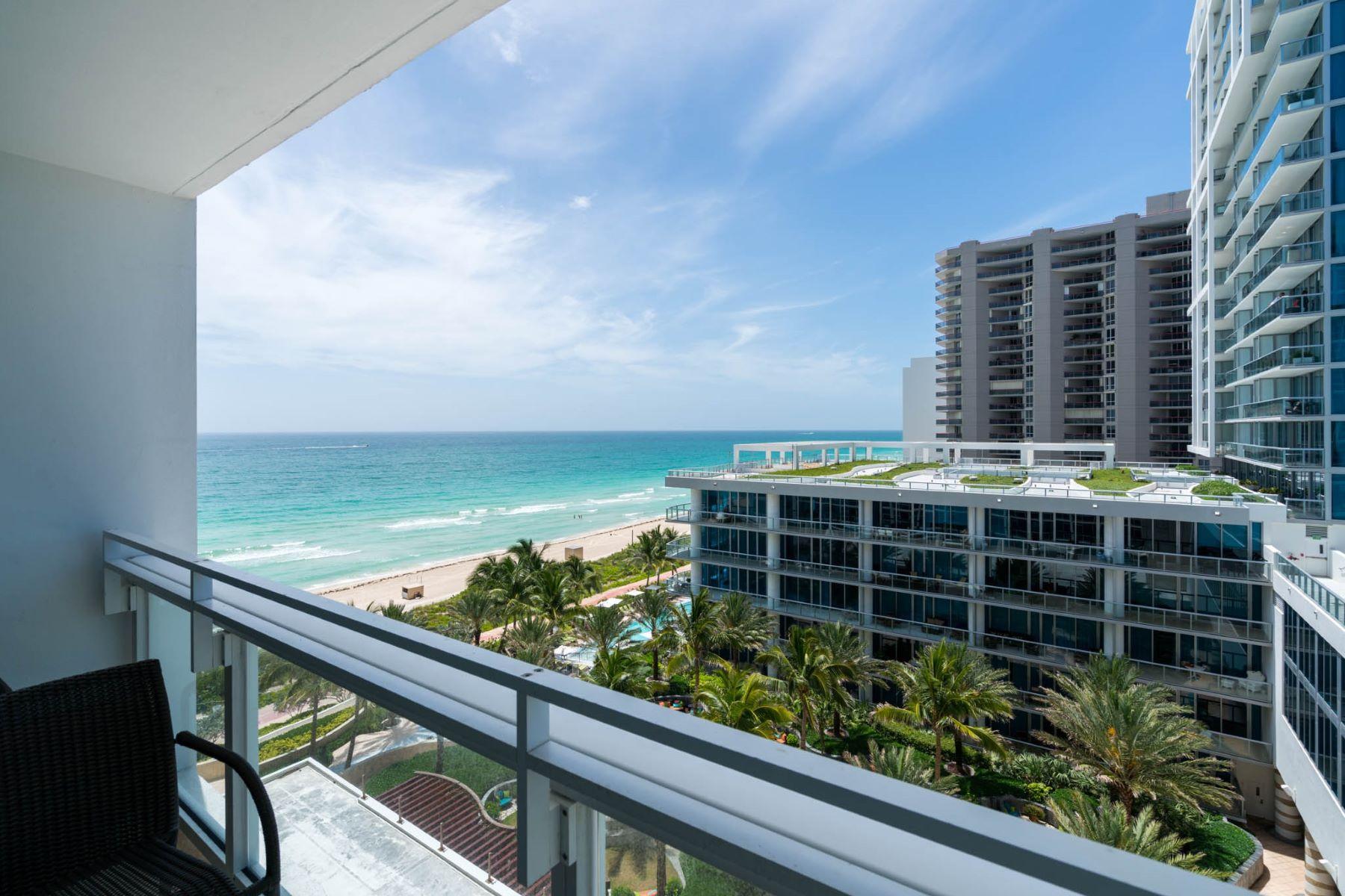 Appartement en copropriété pour l Vente à 6801 Collins Ave #810 6801 Collins Ave 810 Miami Beach, Florida, 33141 États-Unis