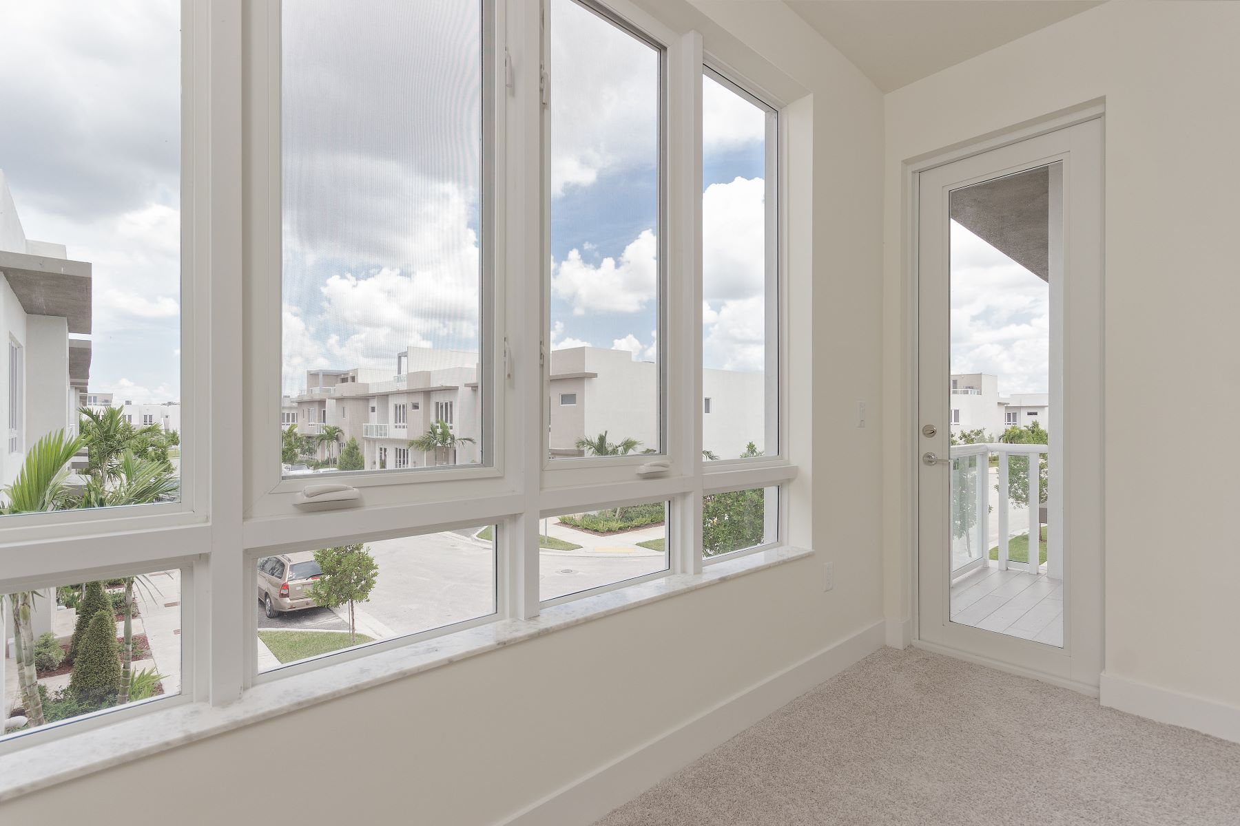 townhouses for Active at 6307 Nw 103rd Psge 6307 Doral, Florida 33178 United States