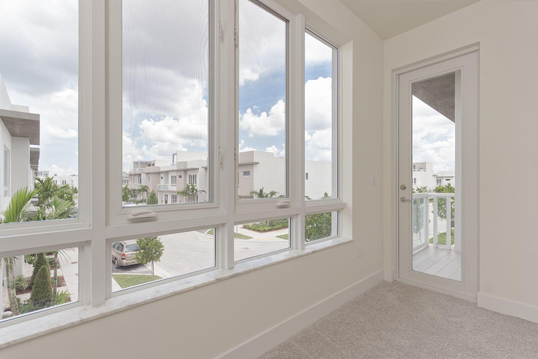 townhouses için Satış at 6307 Nw 103rd Psge 6307, Doral, Florida 33178 Amerika Birleşik Devletleri