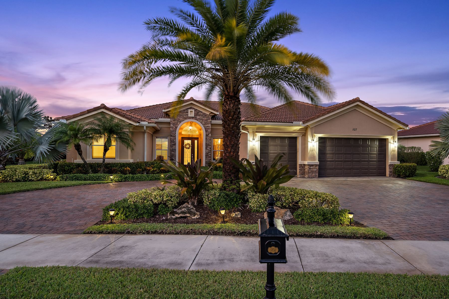 Single Family Homes for Sale at Se 527 Tres Belle Cir Stuart, Florida 34997 United States