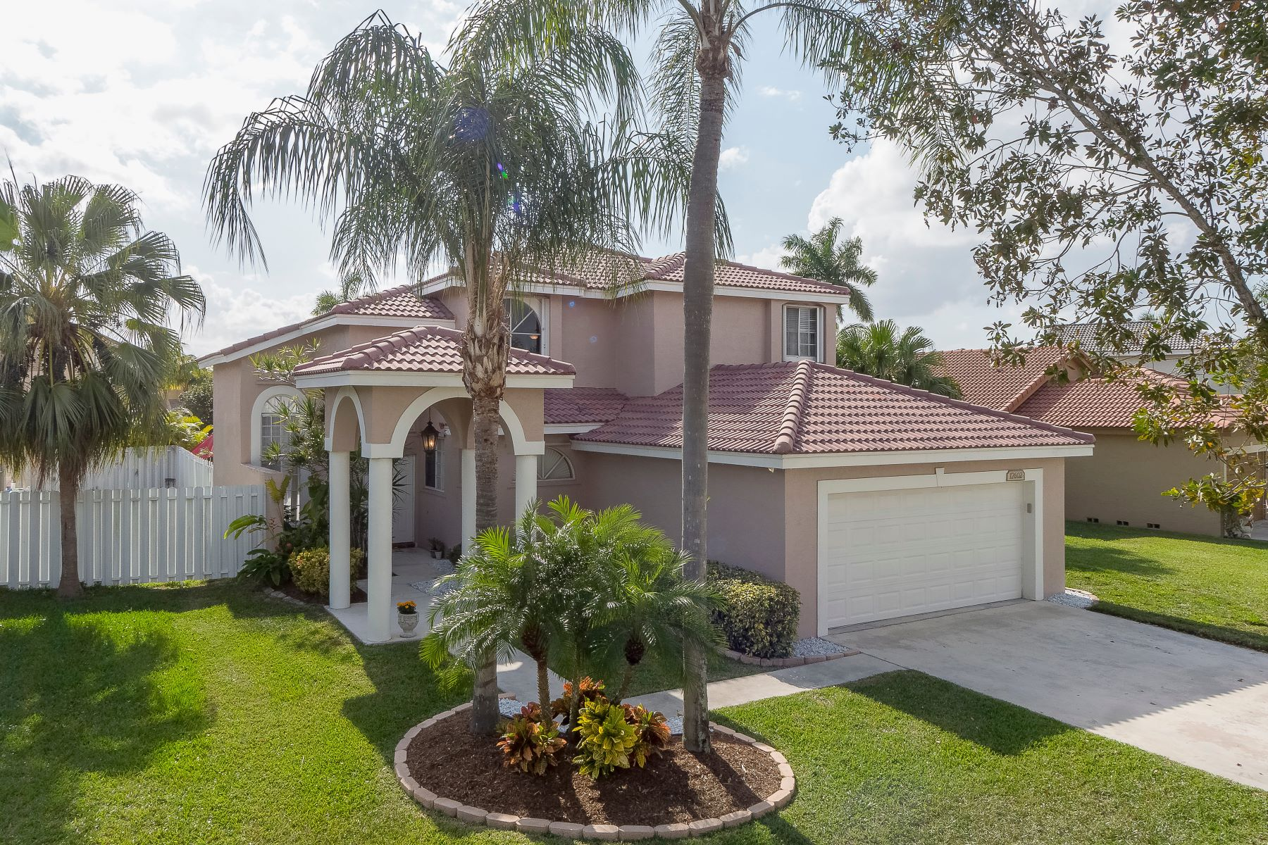 Single Family Homes for Sale at 17602 Sw 8th Ct Pembroke Pines, Florida 33029 United States