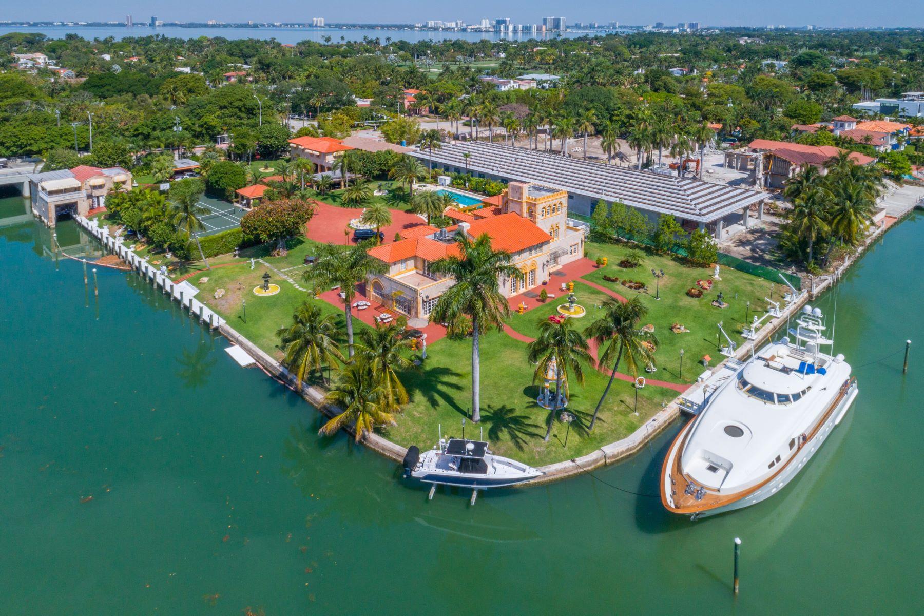 Nhà ở một gia đình vì Bán tại 5011 Pine Tree Dr Miami Beach, Florida, 33140 Hoa Kỳ