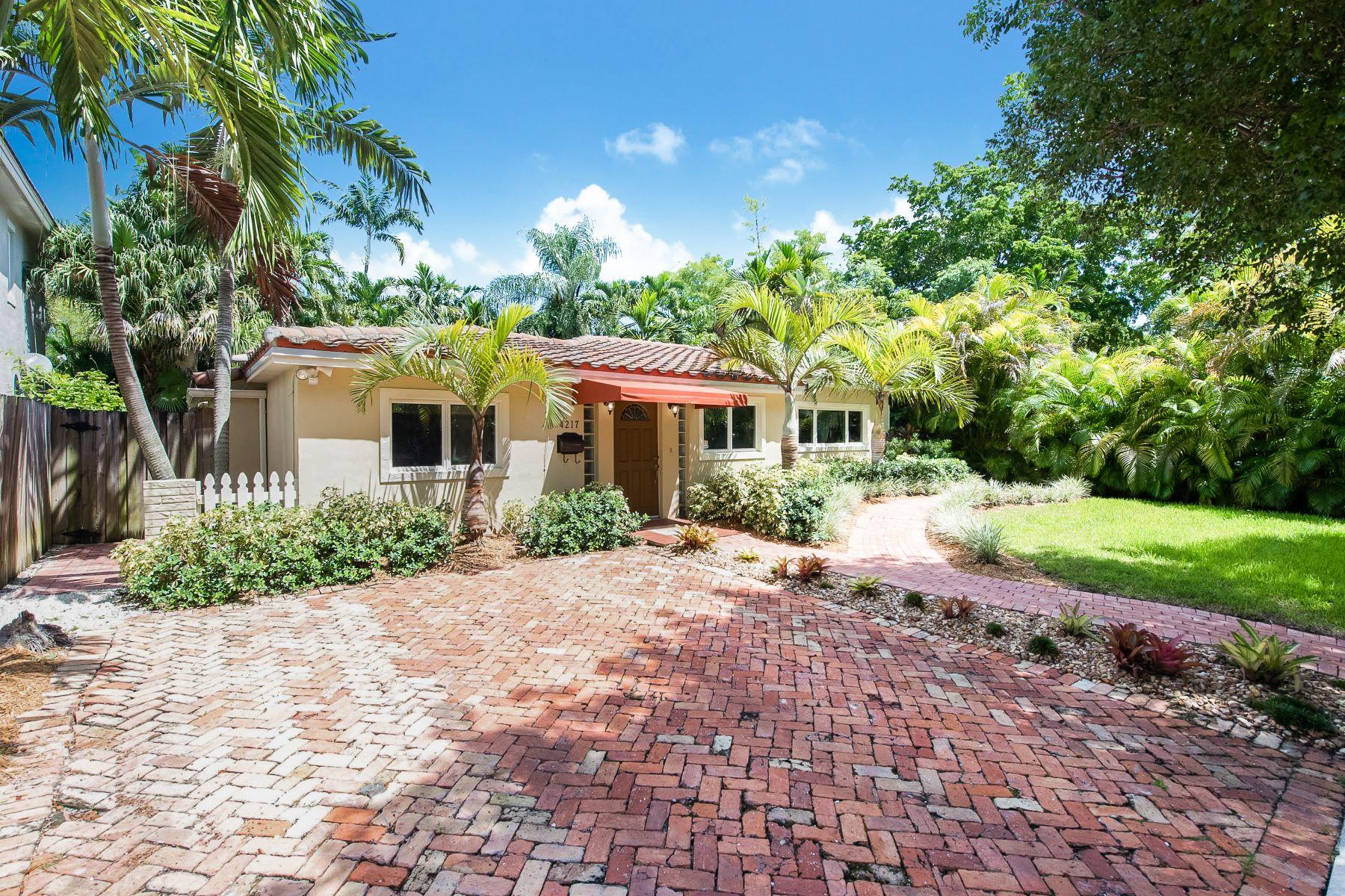 独户住宅 为 销售 在 4217 Anne Ct 迈阿密, 佛罗里达州, 33133 美国