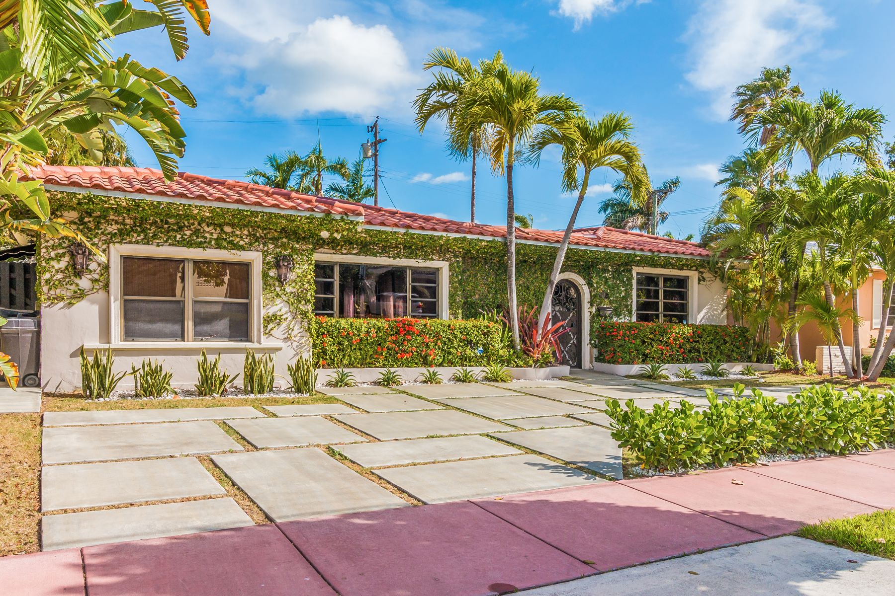 Single Family Home for Sale at 1015 S Shore Dr Miami Beach, Florida, 33141 United States