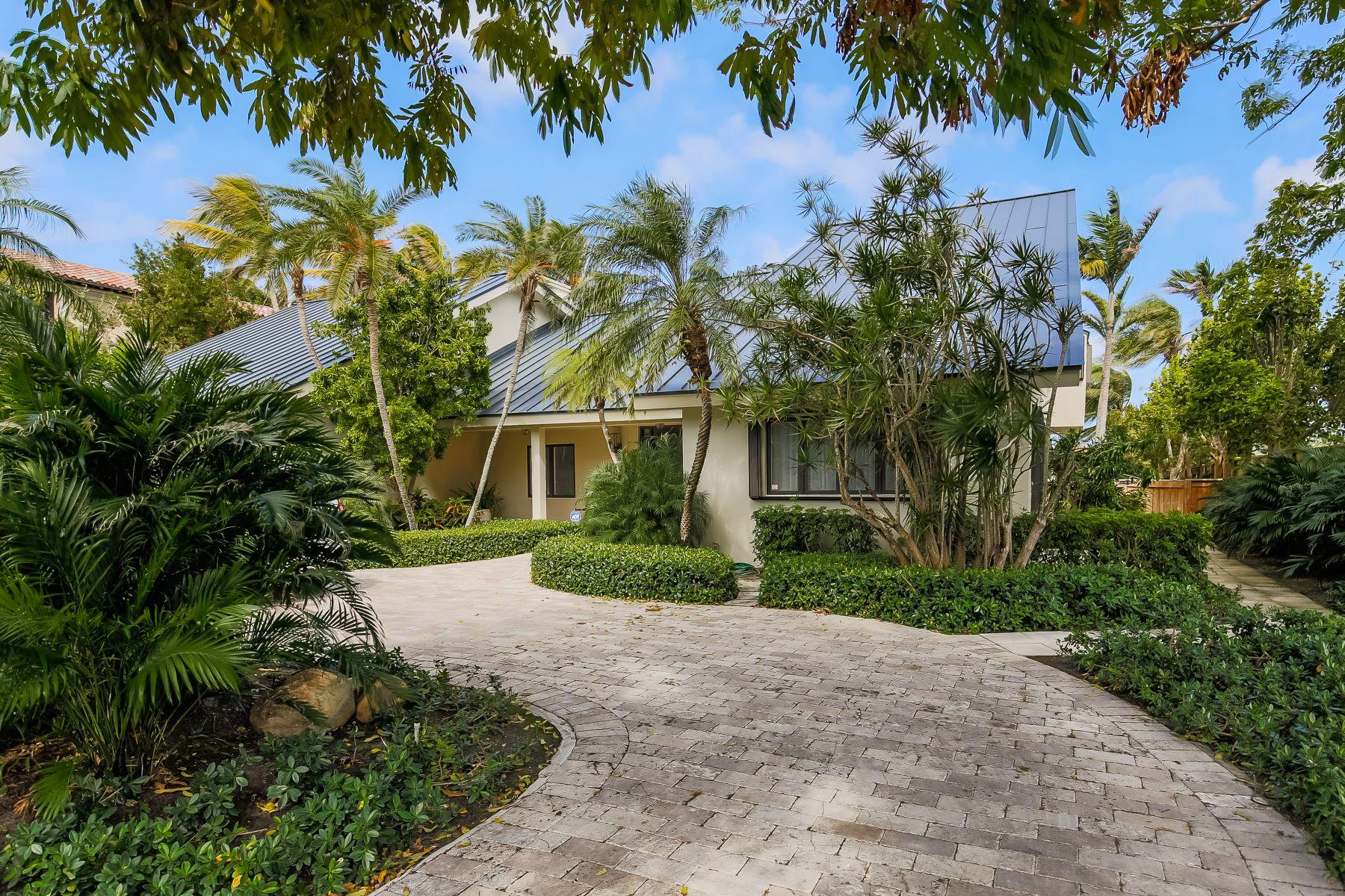 Casa Unifamiliar por un Venta en 735 N Mashta Dr Key Biscayne, Florida, 33149 Estados Unidos