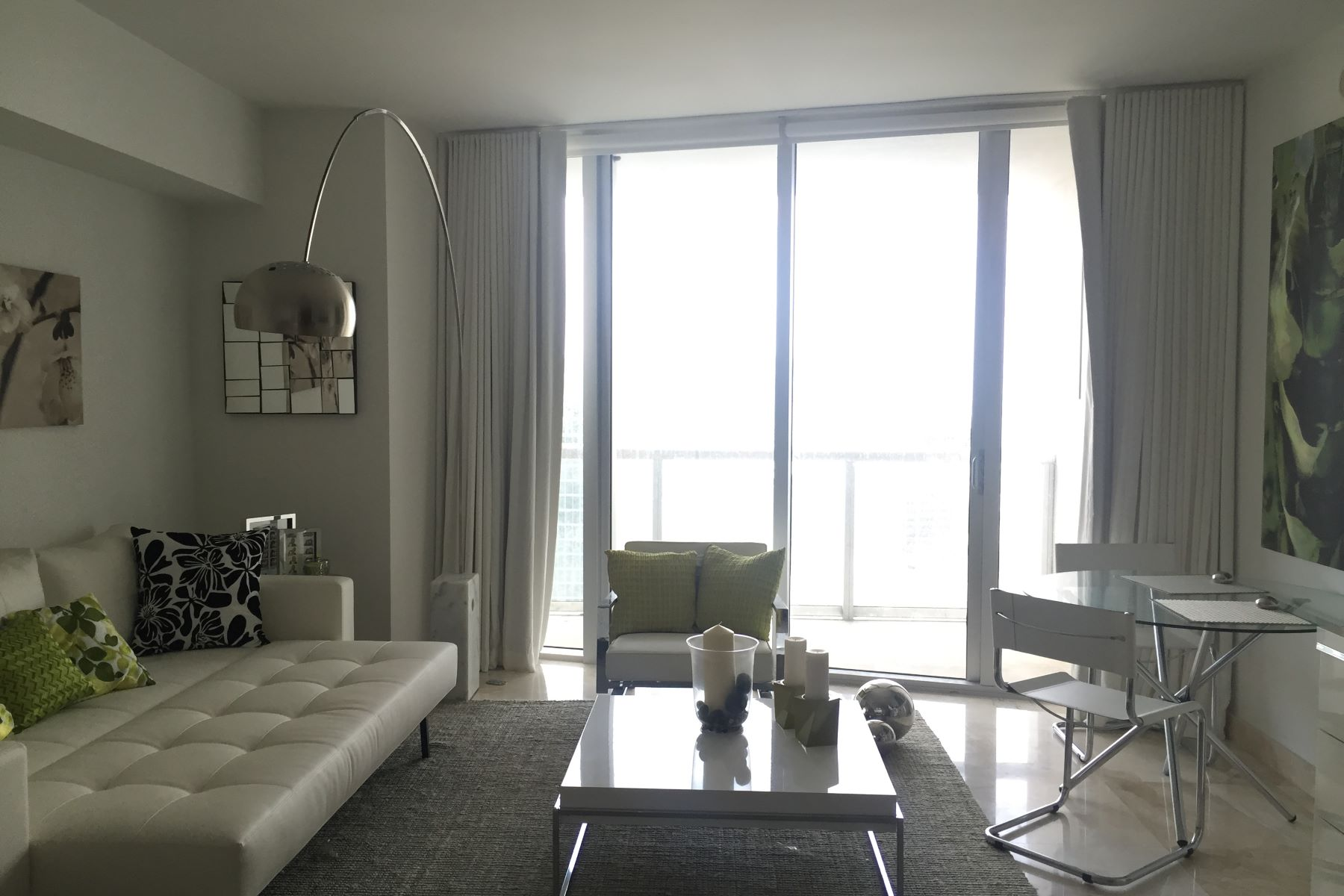 Condominium for Rent at 475 Brickell Ave 475 Brickell Ave 4810 Miami, Florida 33131 United States