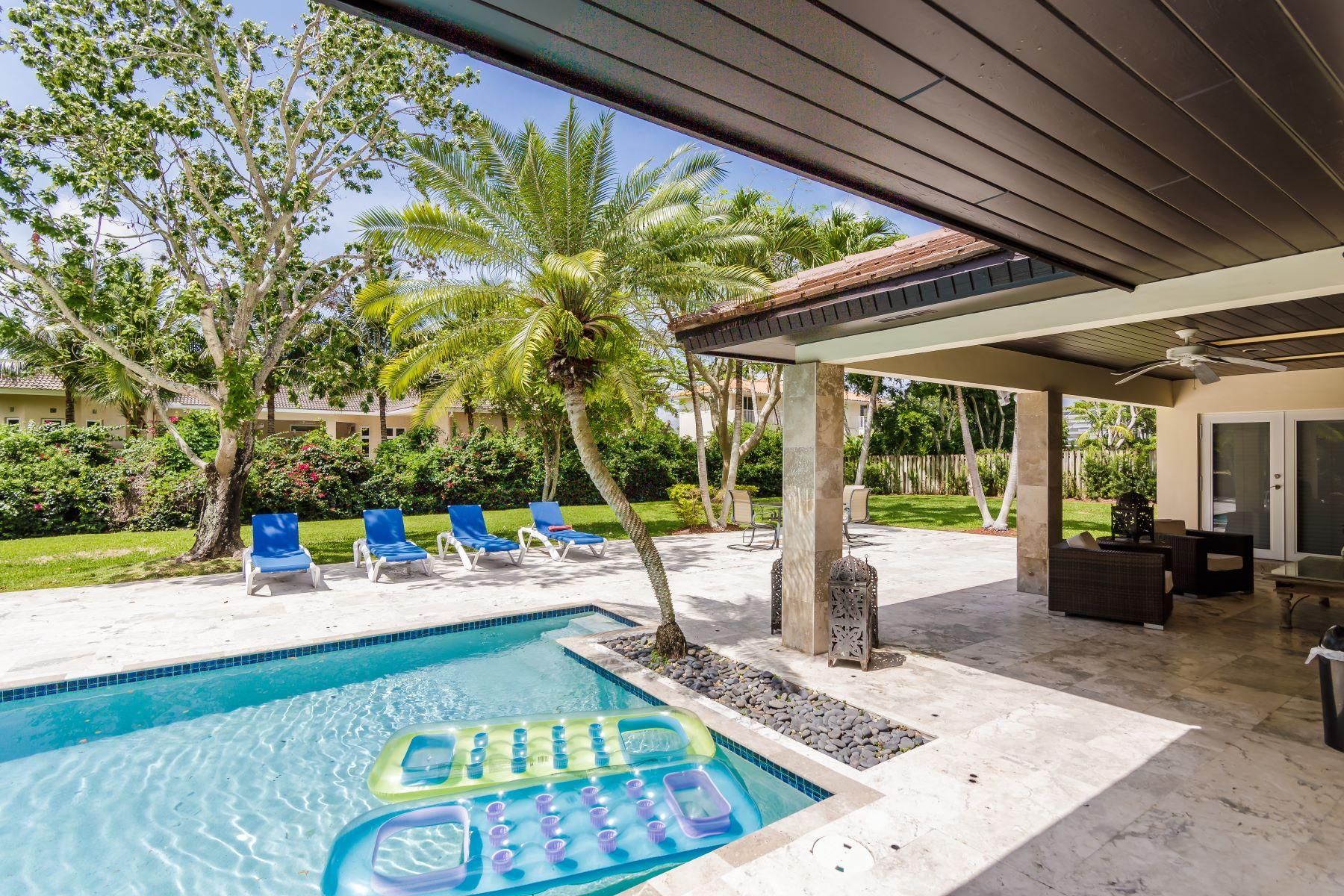 Nhà ở một gia đình vì Bán tại 5720 Sw 130th Ter Pinecrest, Florida, 33156 Hoa Kỳ