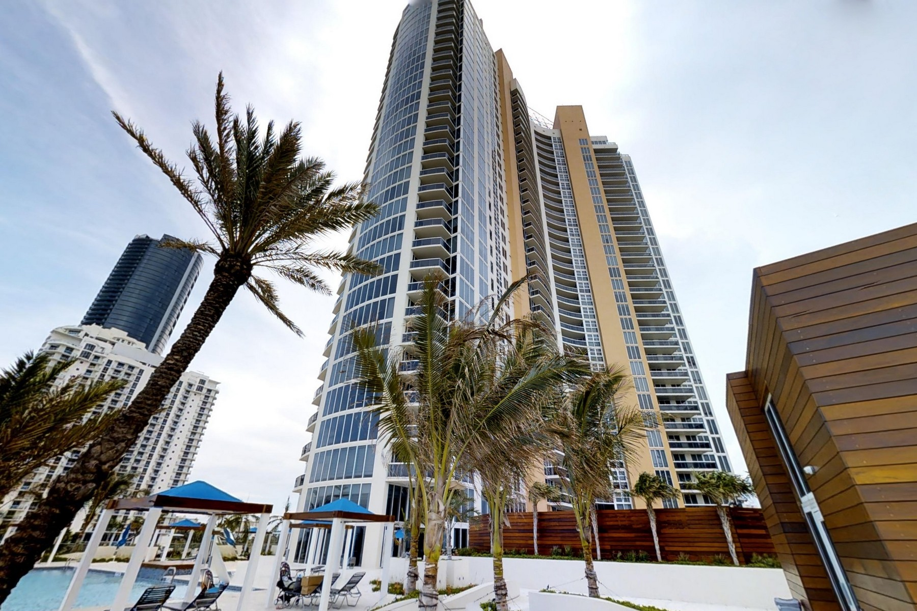Condominium for Rent at 18911 Collins Ave 18911 Collins Ave 405 Sunny Isles Beach, Florida 33160 United States