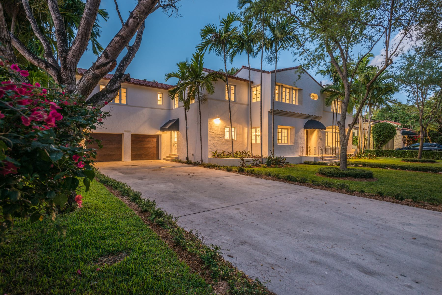 Single Family Home for Sale at 1117 Alhambra Cir Coral Gables, Florida, 33134 United States