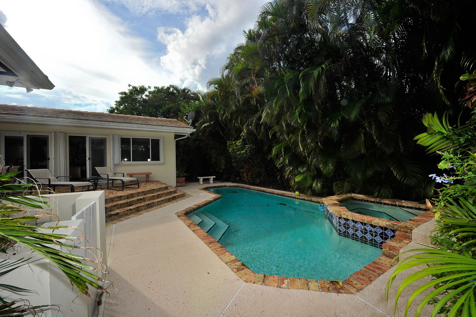 Single Family Home for Rent at 1425 Trillo Ave 1425 Trillo Ave Coral Gables, Florida 33146 United States