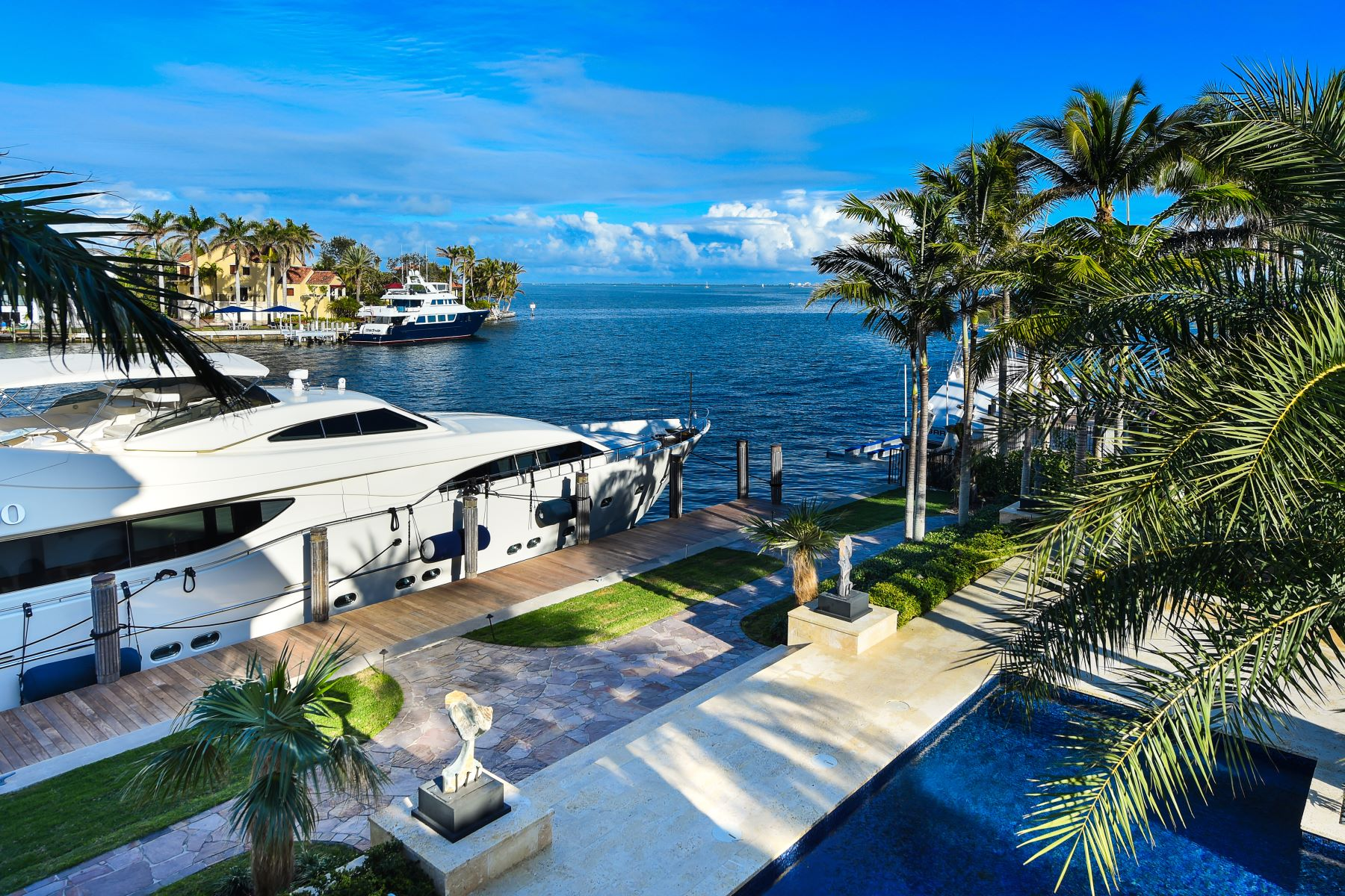 Additional photo for property listing at 23 Tahiti Beach Island Rd 23 Tahiti Beach Island Rd Coral Gables, Florida 33143 United States