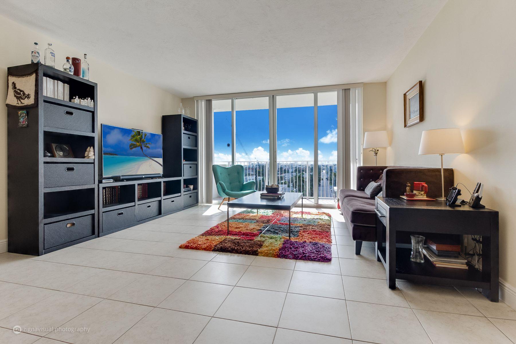 Condomínio para Venda às 10350 W Bay Harbor Dr #9LM 10350 W Bay Harbor Dr 9LM Bay Harbor Islands, Florida, 33154 Estados Unidos