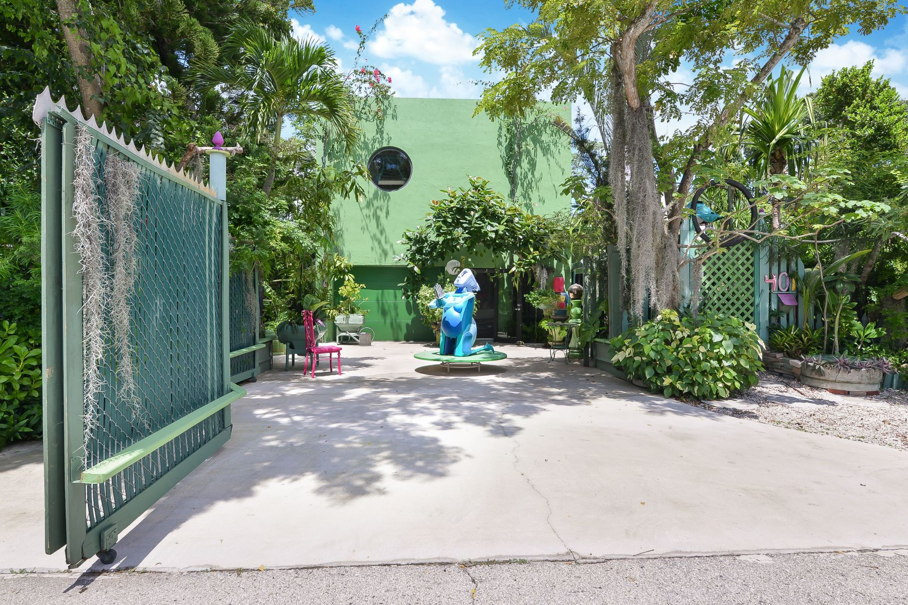 other residential homes for Active at 401 Ne 26 Dr. Wilton Manors, Florida 33334 United States