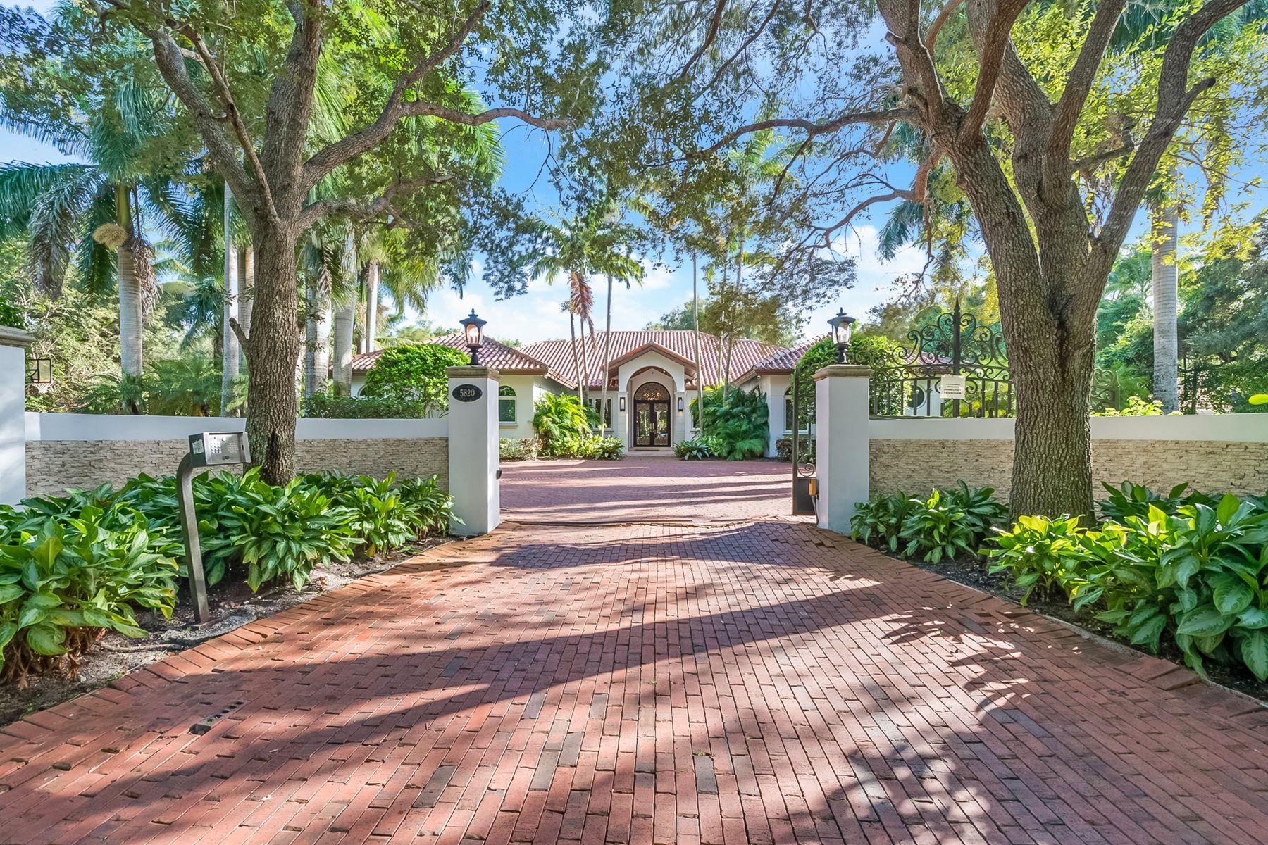 Tek Ailelik Ev için Satış at 5820 Sw 97th Street Pinecrest, Florida, 33156 Amerika Birleşik Devletleri