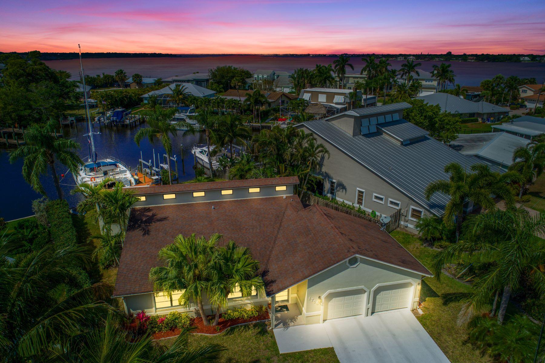 Vivienda unifamiliar por un Venta en 1758 Sw Cabin Place 1758 Sw Cabin Place Palm City, Florida 34990 Estados Unidos