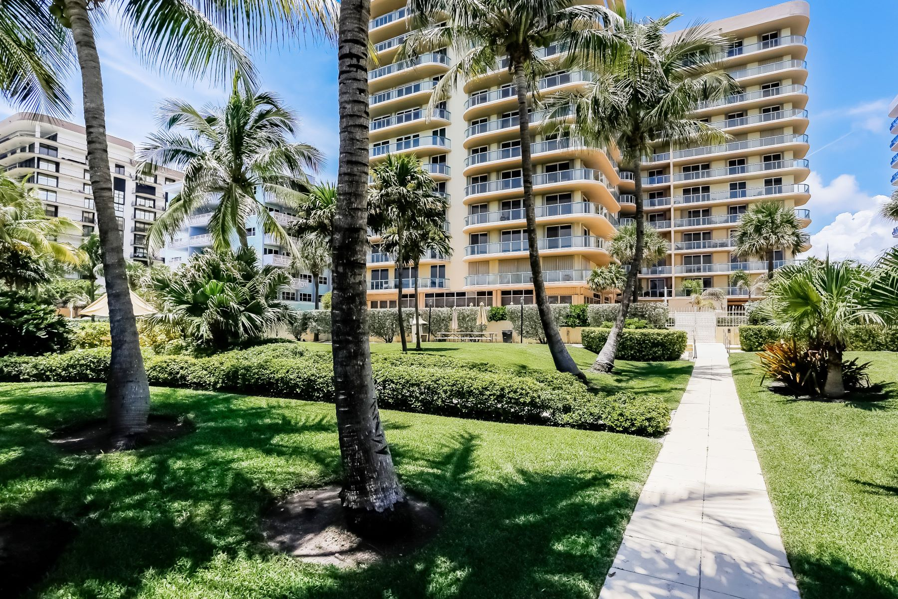 Condominium for Sale at 8855 Collins Ave #4J 8855 Collins Ave 4J Surfside, Florida 33154 United States