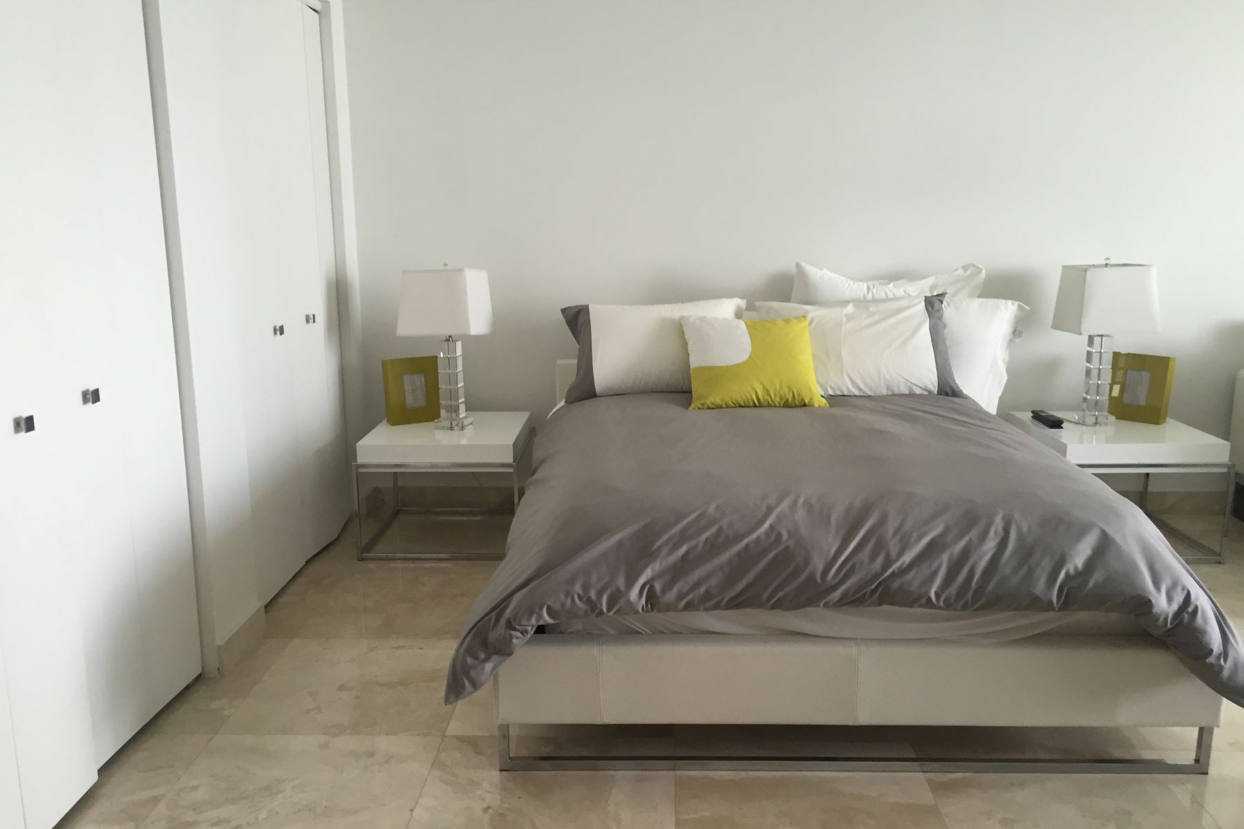 Additional photo for property listing at 475 Brickell Ave 475 Brickell Ave 4810 Miami, Florida 33131 United States
